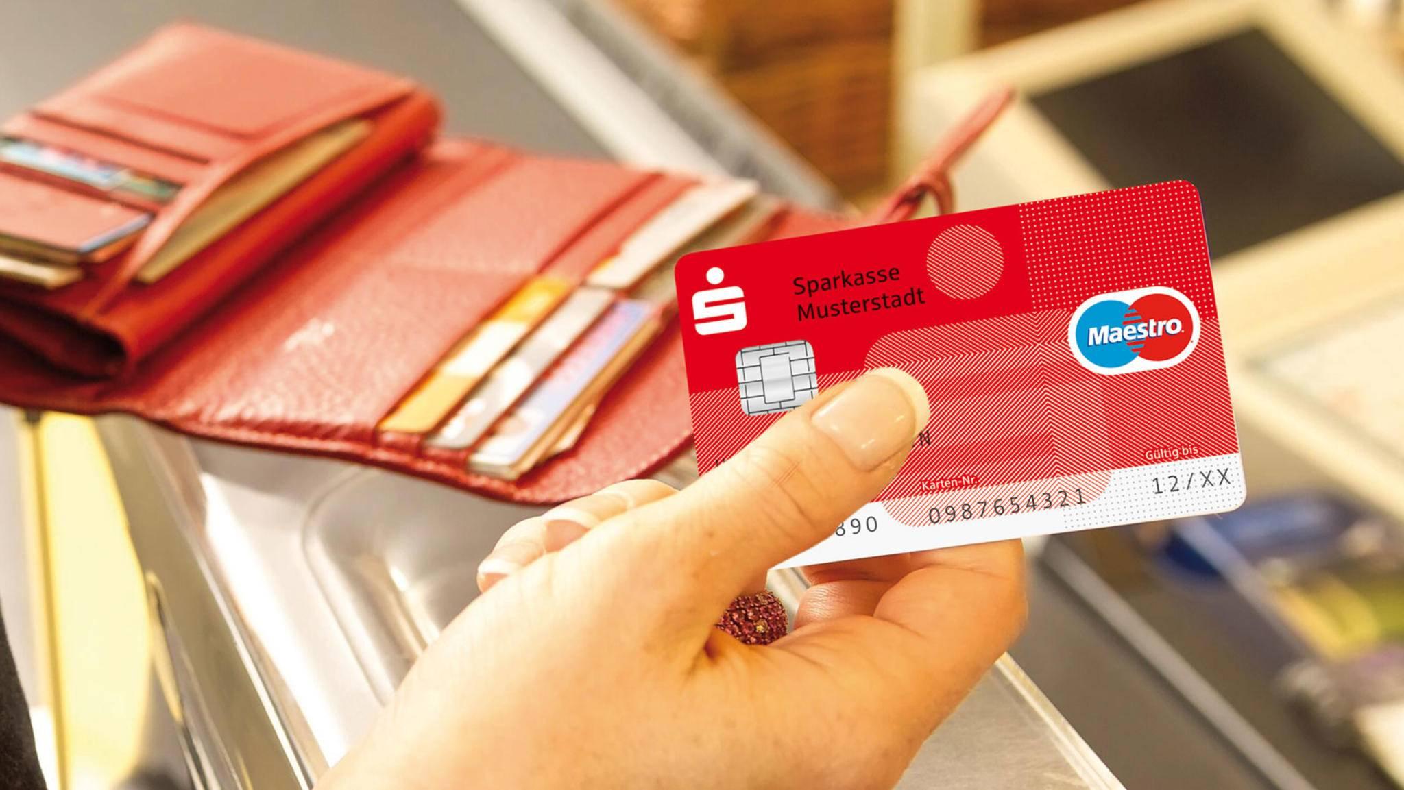 Überweisungen beim Online-Banking können auf verschiedene Arten durchgeführt werden.