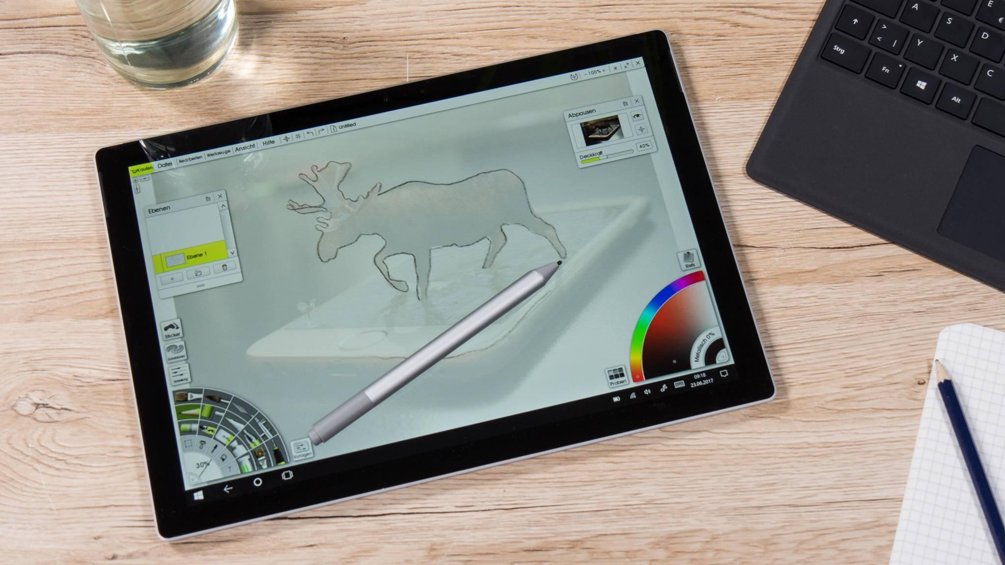 Das Microsoft Surface Pro (2017) überzeugt bei Verarbeitung und Leistung.
