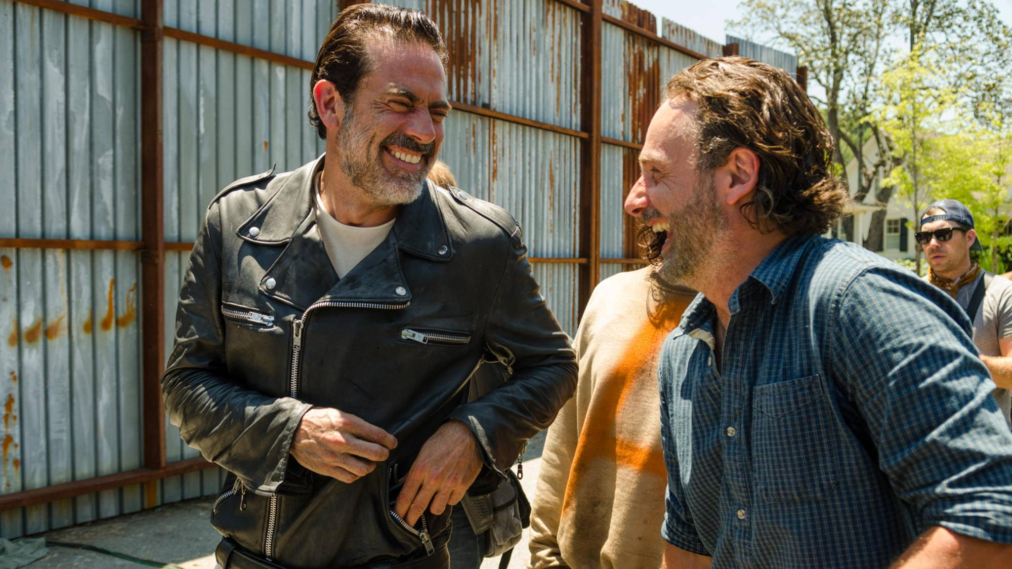 """""""The Walking Dead"""" ist offiziell die am meisten diskutierte Serie auf Facebook & Twitter – da haben die Stars natürlich allen Grund zur Freude."""