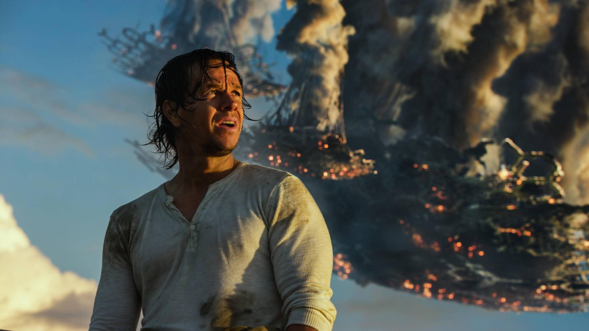 """Auch in """"Transformers 5: The Last Knight"""" kommen Explosionen und zerstörte Fahrzeuge nicht zu kurz."""