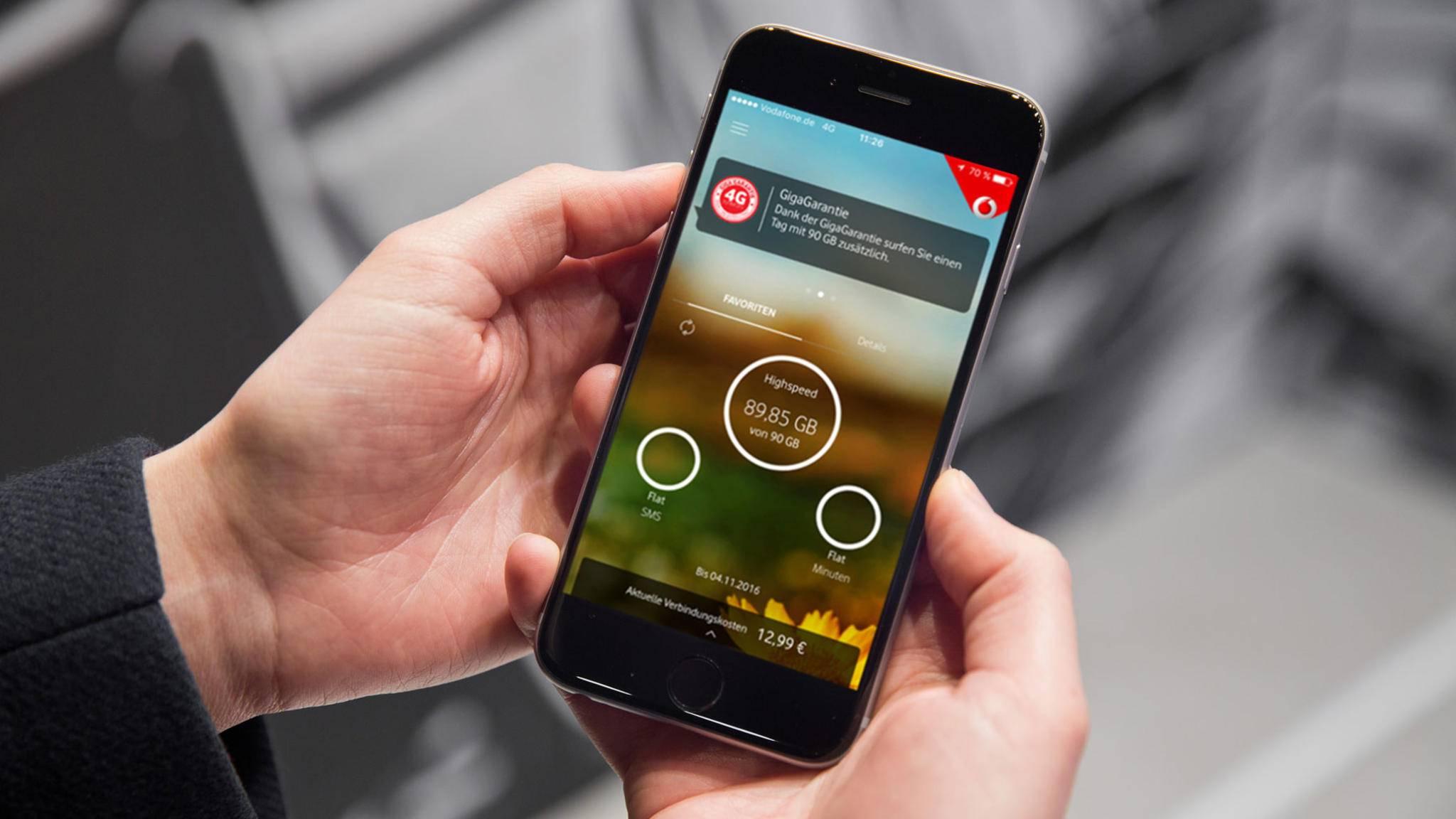 Die großen Mobilfunkprovider bieten eigene Apps, mit denen Du verbrauchtes Datenvolumen abfragen kannst.
