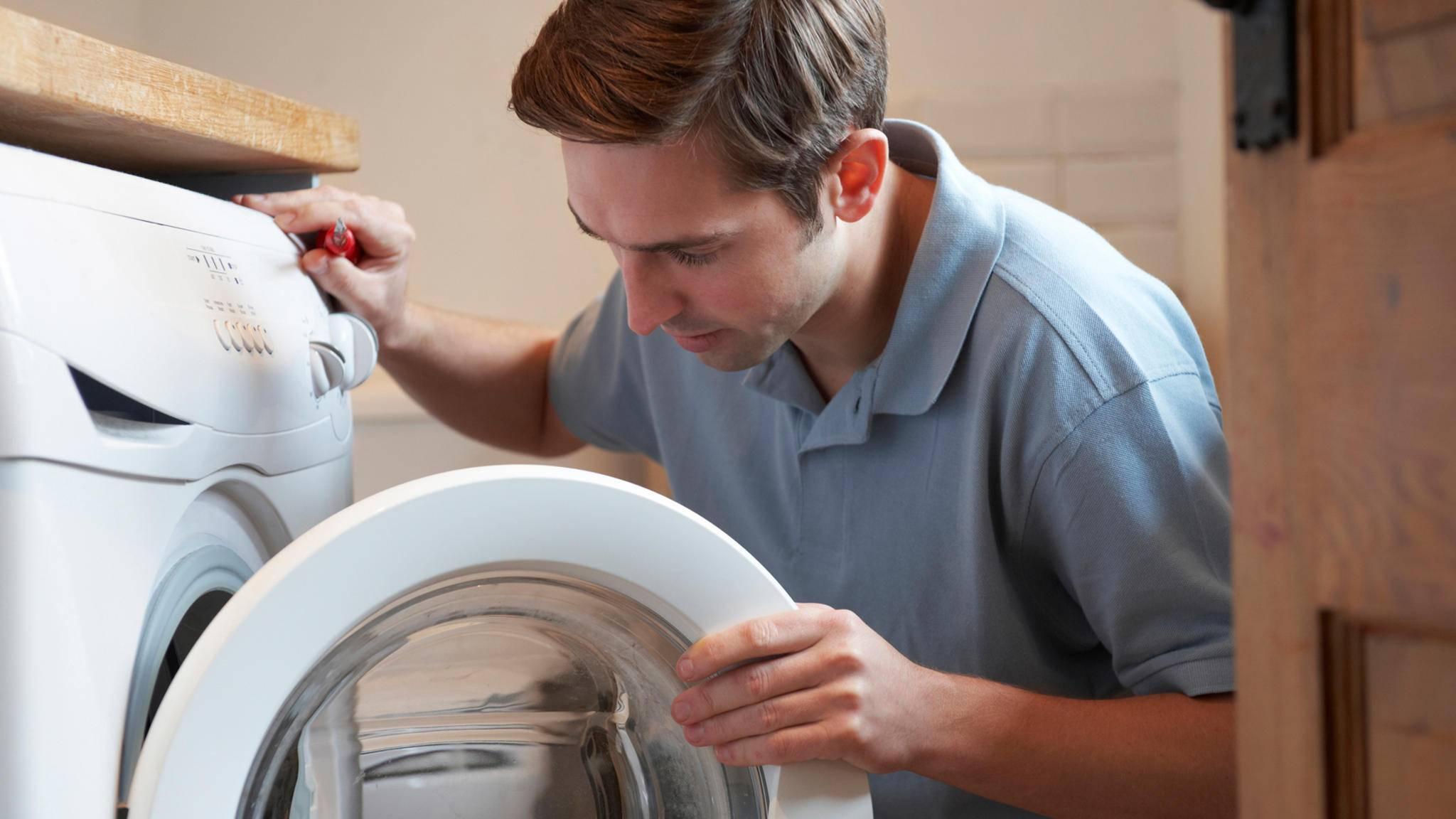 Die Montage der Waschmaschine können auch Laien in wenigen Schritten durchführen.