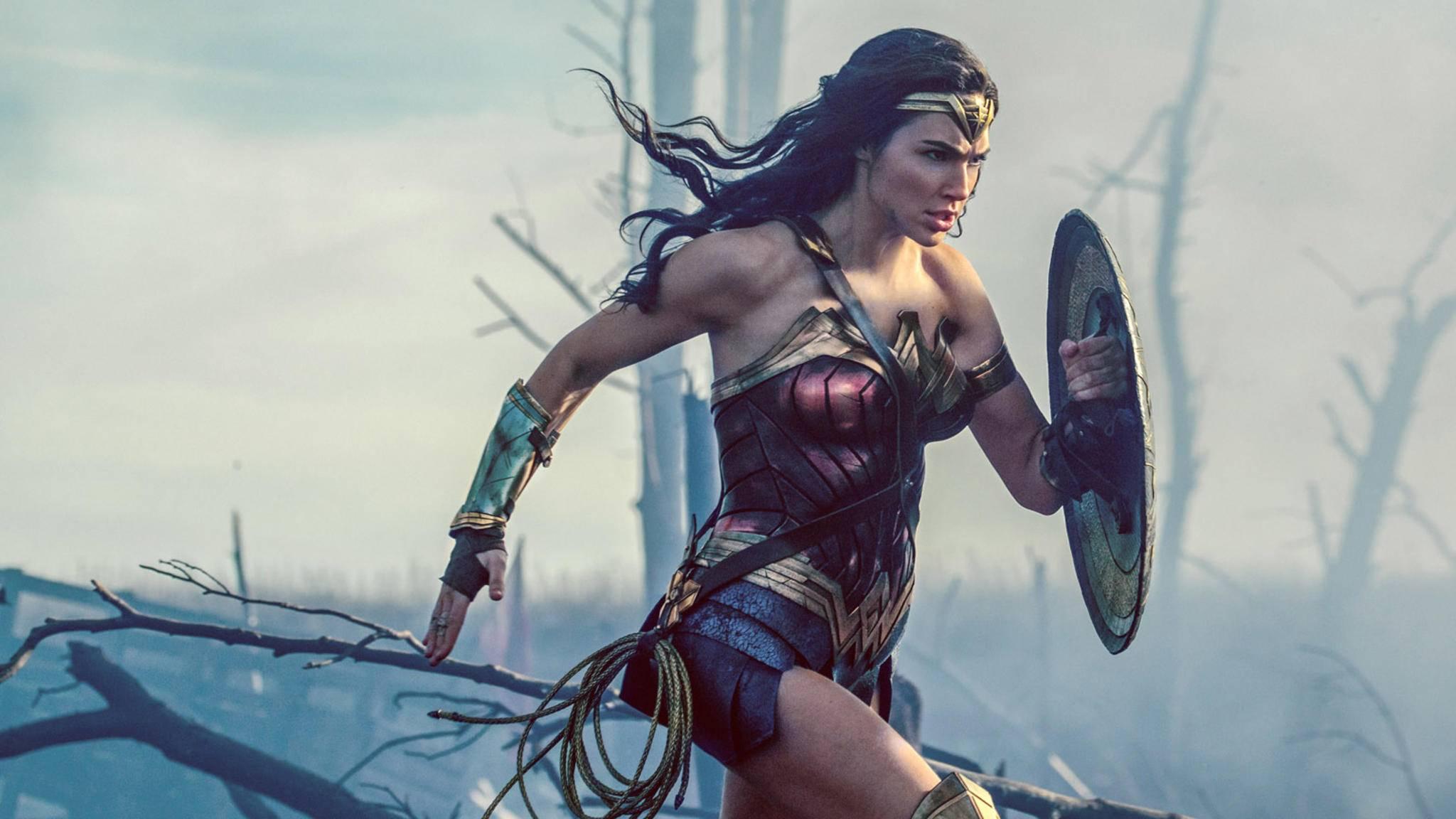 """""""Wonder Woman 1984"""" stürmt nicht ganz so schnell heran, wie die Fans es gerne hätten."""