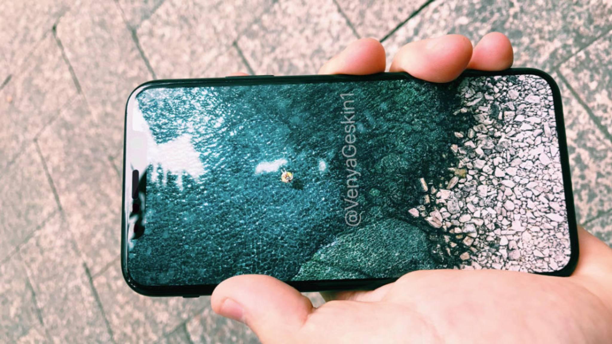 Edge-to-Edge-Display und schwarzer Rahmen: So präsentiert sich ein iPhone-8-Dummy in einem Video.
