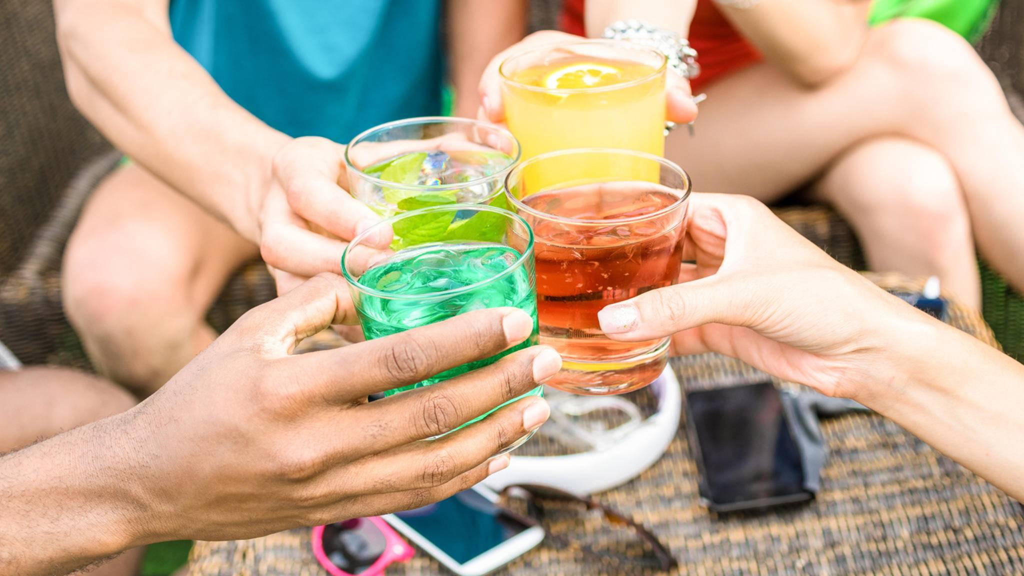 Von Caipirinha bis Sex on the Beach: Cocktailrezept-Apps sorgen für Abwechslung beim nächsten Partyabend.