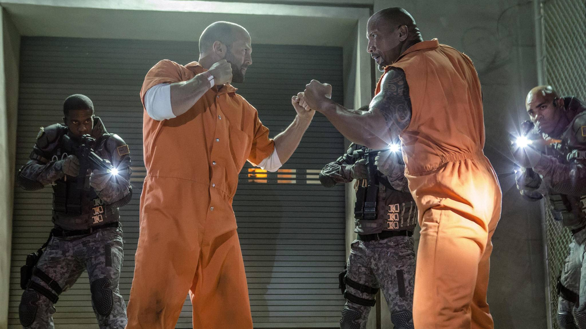 Das geplante Spin-off um Deckard Shaw (Jason Statham, links) und Luke Hobbs (Dwayne Johnson, rechts) sorgt für hitzige Reaktionen.