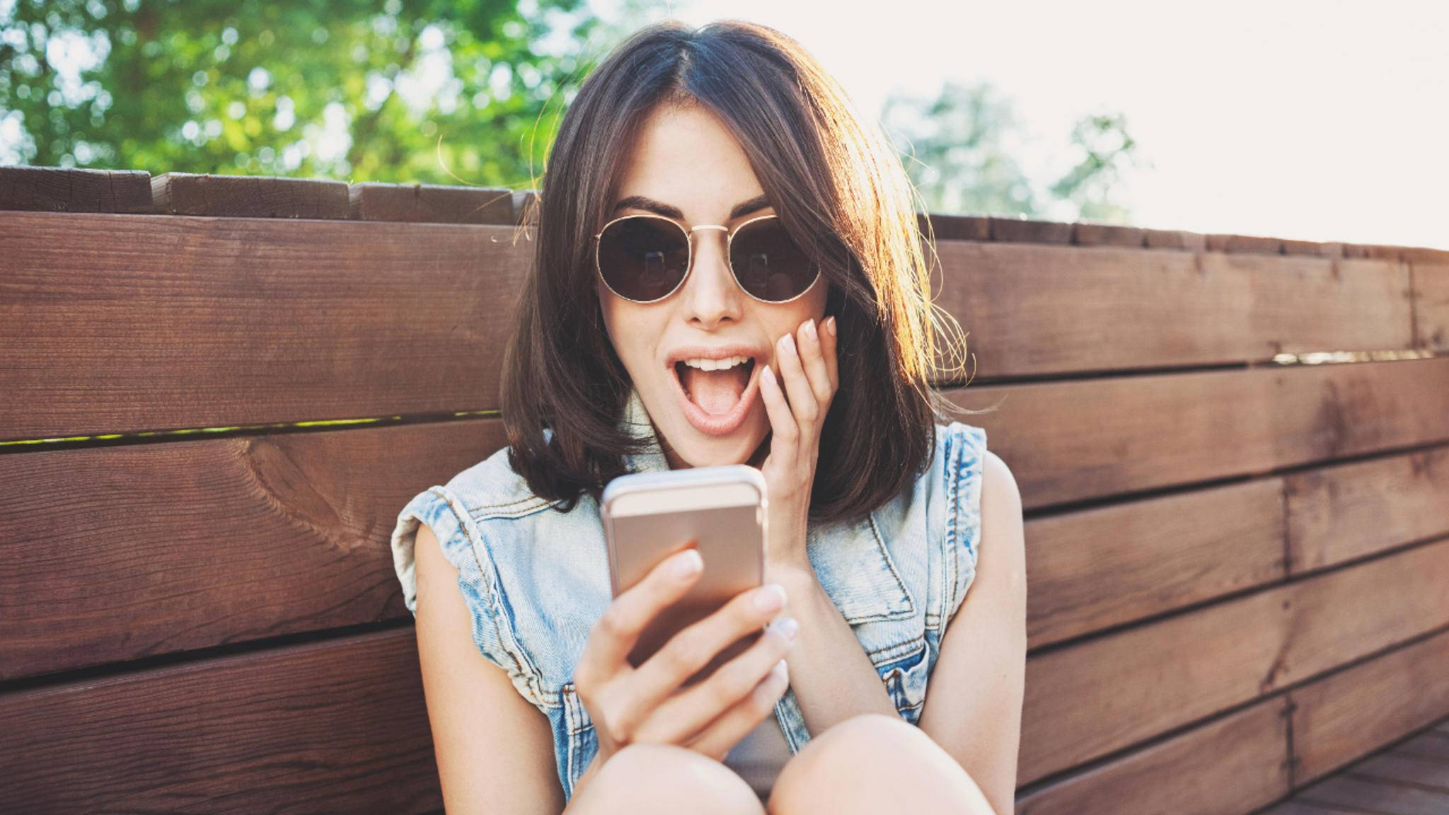 Bring Deine Freunde mit lustigen WhatsApp-Bildern zum Lachen!
