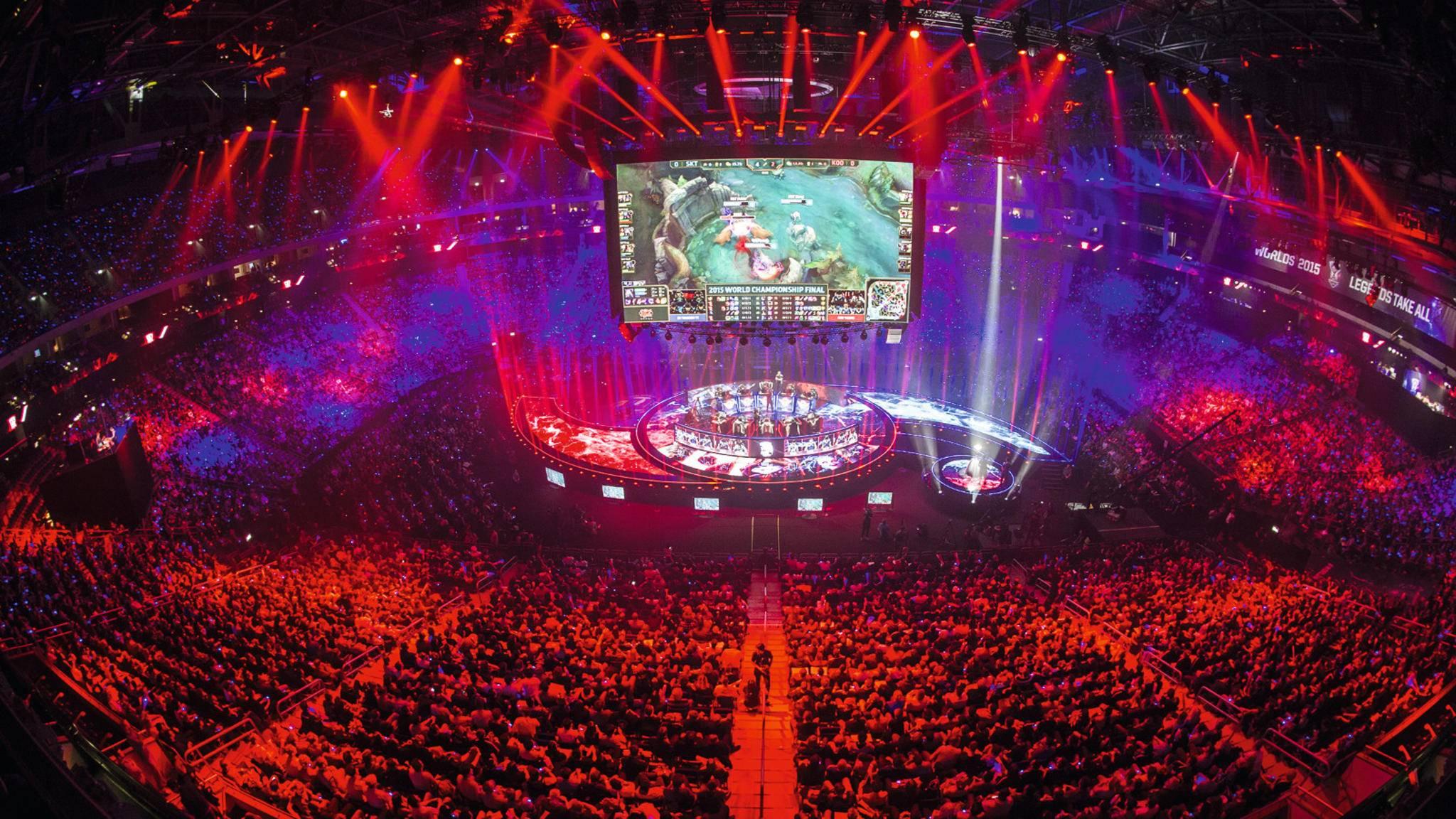 Früher Nischenphänomen, heute Massensport: Videospiele haben längst die Arenen erobert.