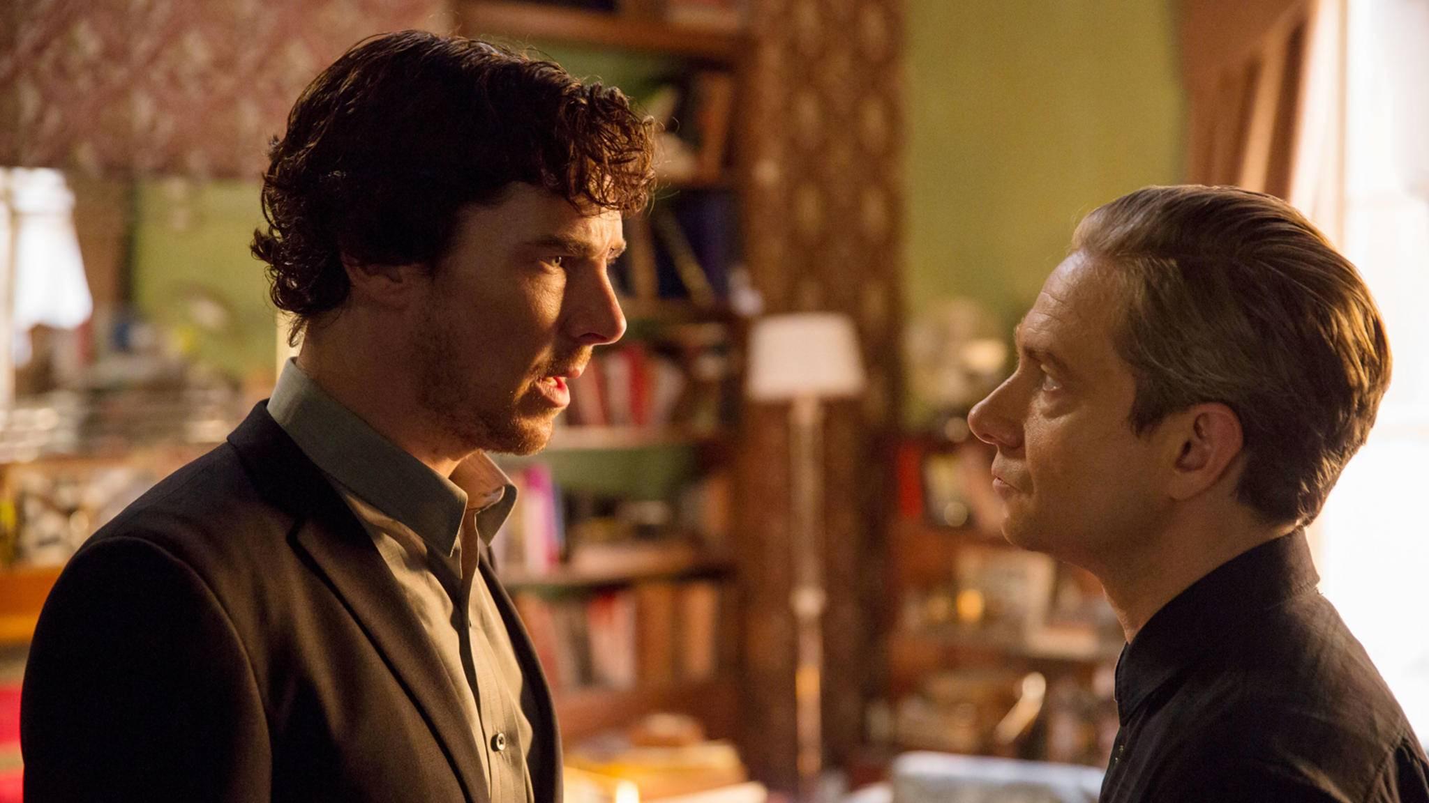 Auch Sherlock (Benedict Cumberbatch, l.) und Dr. Watson (Martin Freeman, r.) scheinen nicht begeistert von den News zu Staffel 5 zu sein.