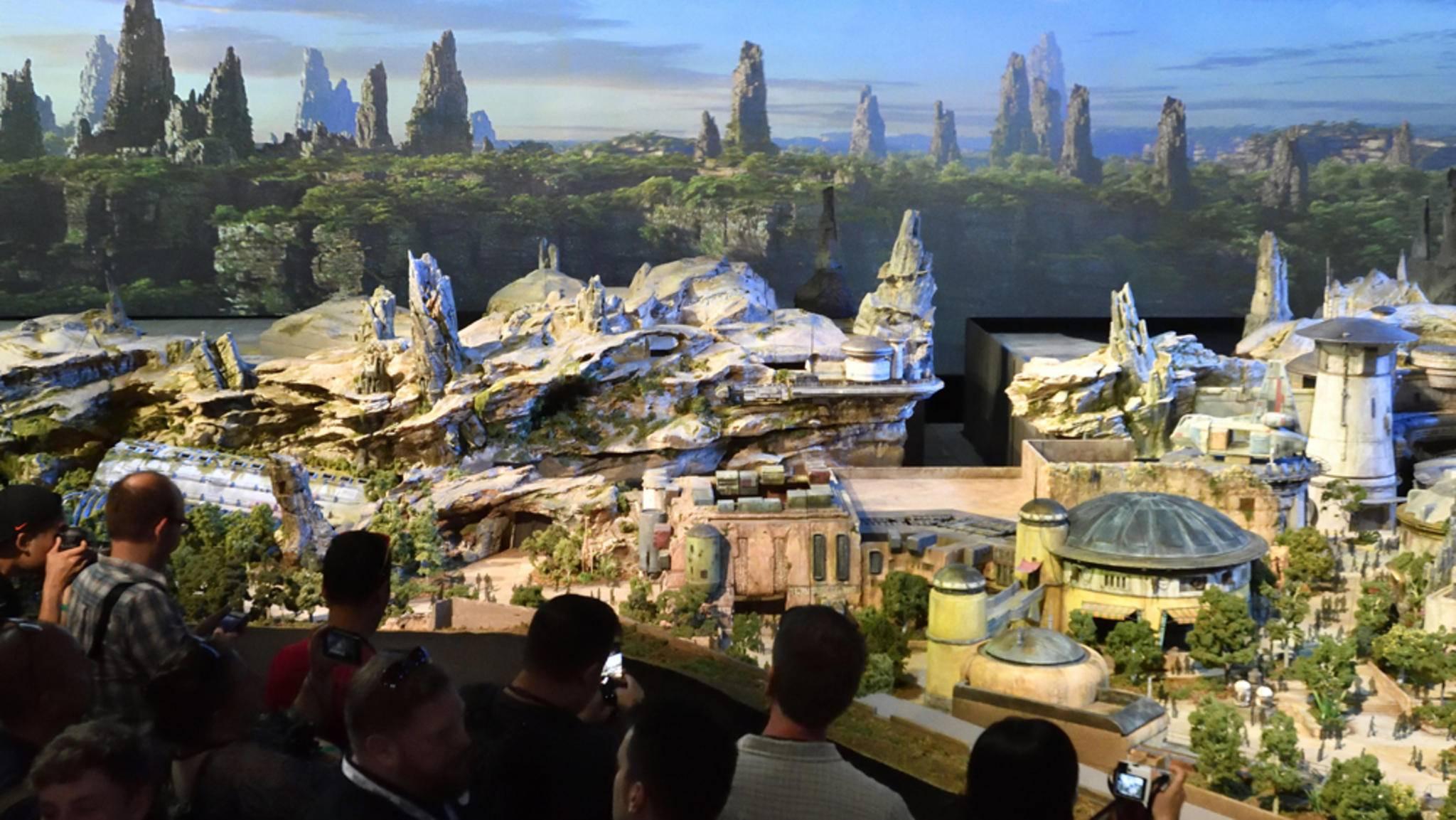 """Das neue Modell ermöglicht erstmals einen realitätsgetreuen Blick auf das zukünftige """"Star Wars Land""""."""