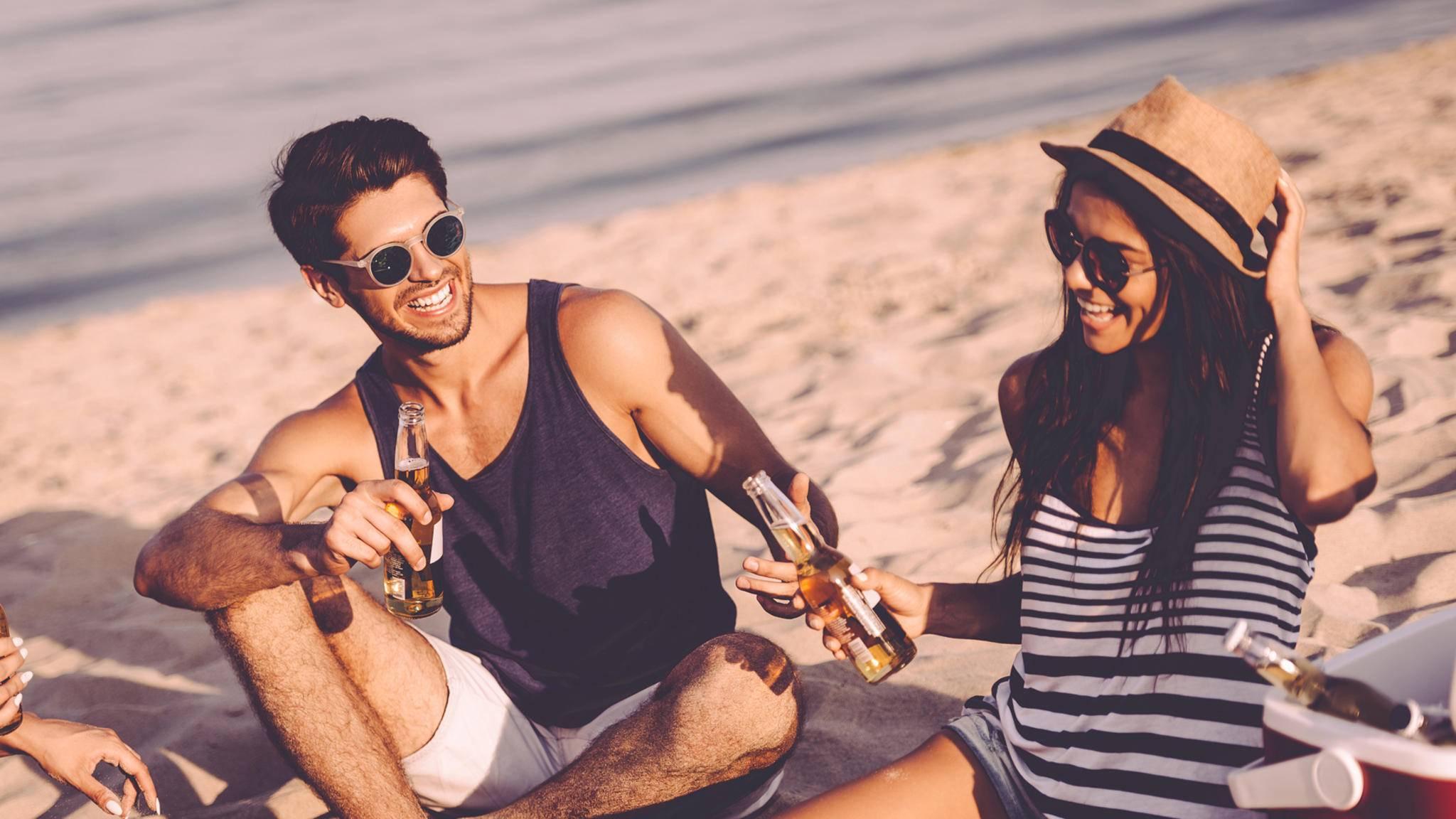 Es braucht nicht viel, um an einem schönen Strandtag glücklich zu sein.