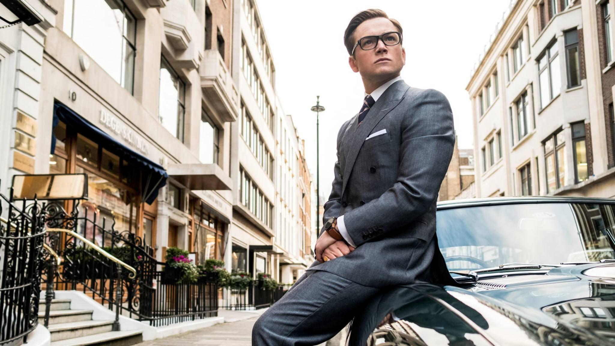 """Schnelle Autos und maßgeschneiderte Anzüge: Die """"Kingsman""""-Filme spielen mit diversen Klischees zahlreicher Agentenfilme."""