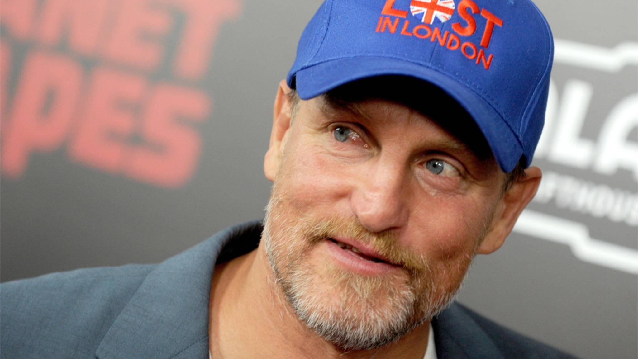 """Woody Harrelson lässt sich gerne bitten und schlug sowohl Rollen in """"Star Wars: Han Solo"""" und """"Hunger Games"""" zunächst aus."""