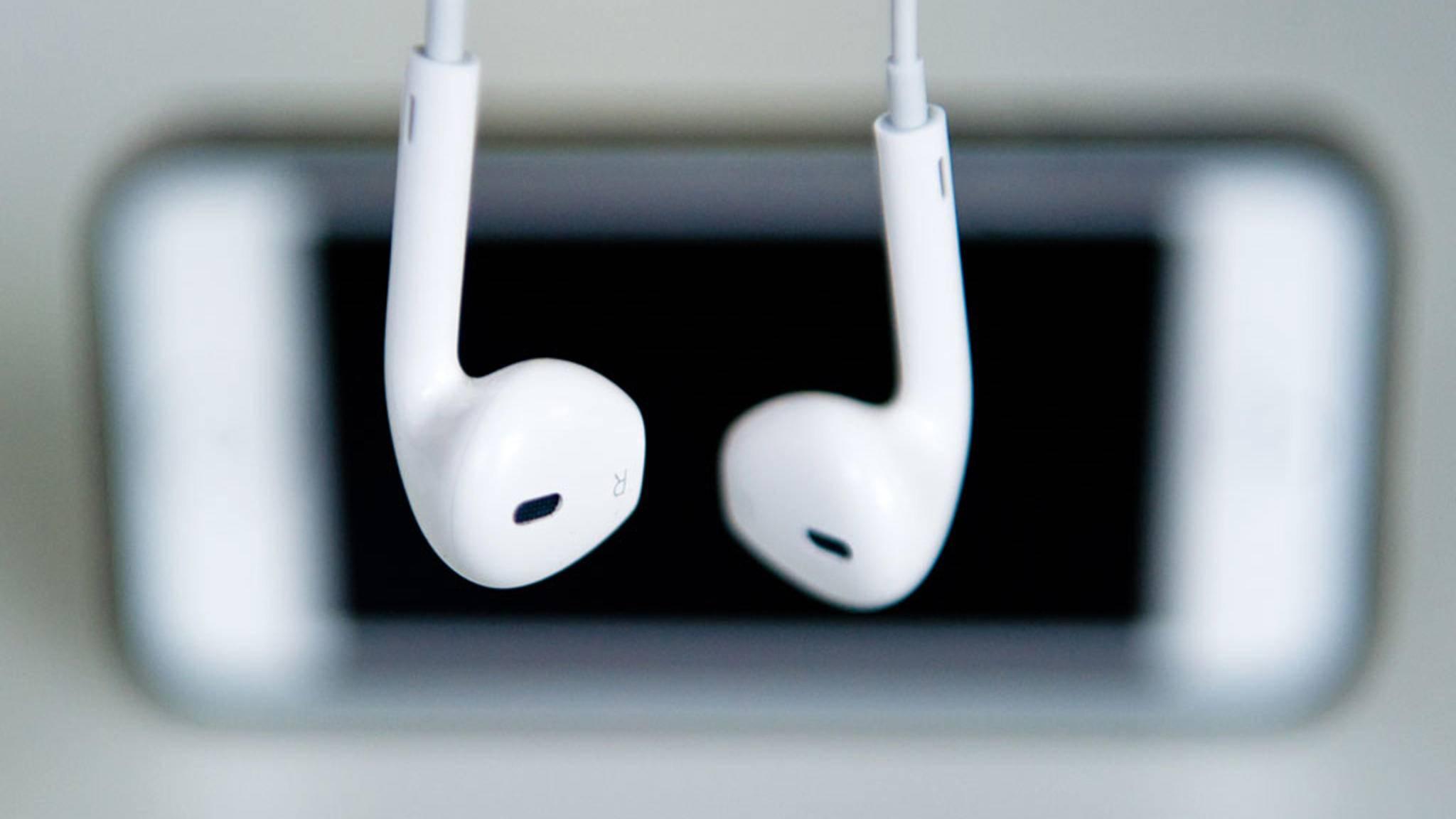 Die EarPods von Apple liegen jedem iPhone bei.