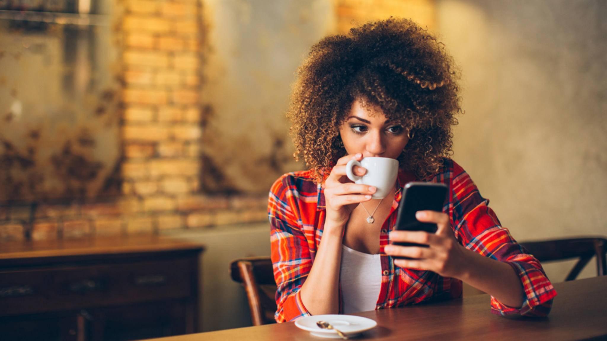 Einige clevere Apps können Dich von der langweiligen Warterei auf das verspätete Date ablenken.