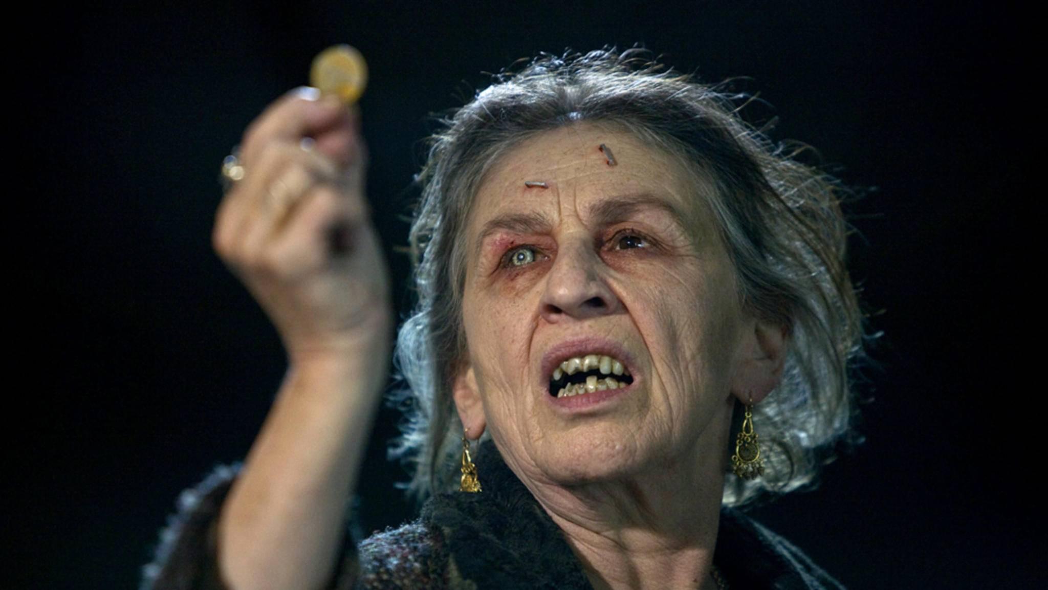 Wer sich mit den Hexen in den folgenden Filmen anlegt, sollte sich auf eine gute Portion Horror gefasst machen.