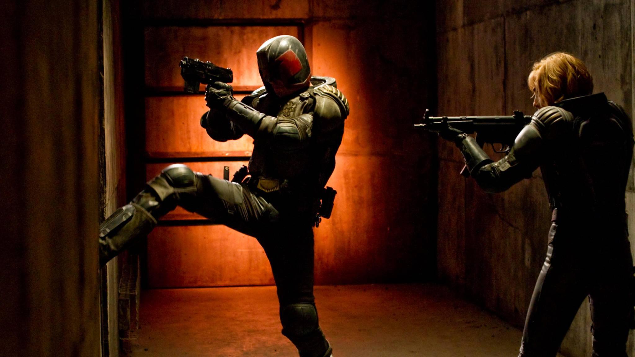 2012 wurde Karl Urban erstmals zu Judge Dredd. Nun soll er in der gleichnamigen Serie zurückkehren.