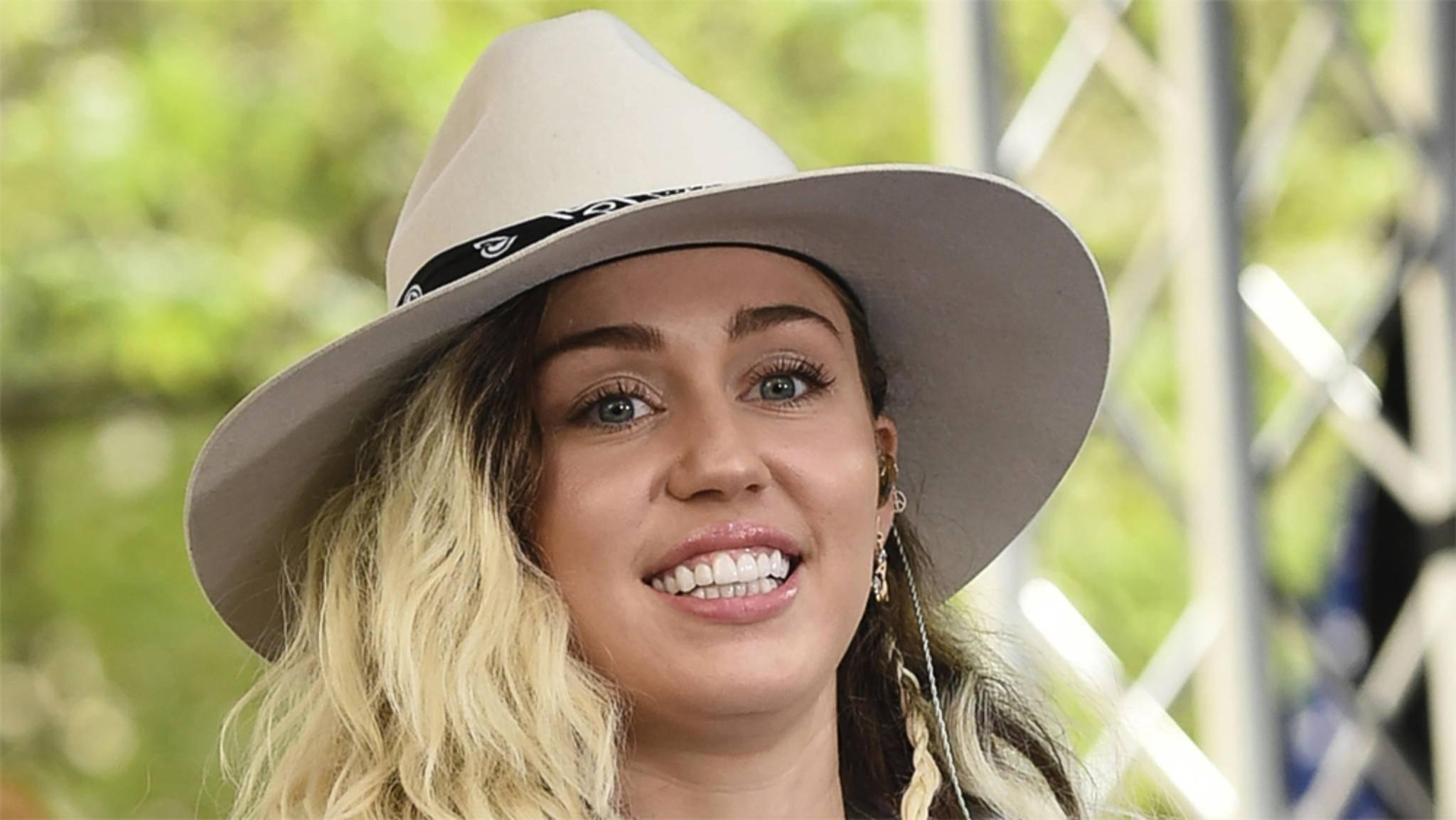 Miley Cyrus macht sich in den letzten Jahren in Kino und Fernsehen rar.