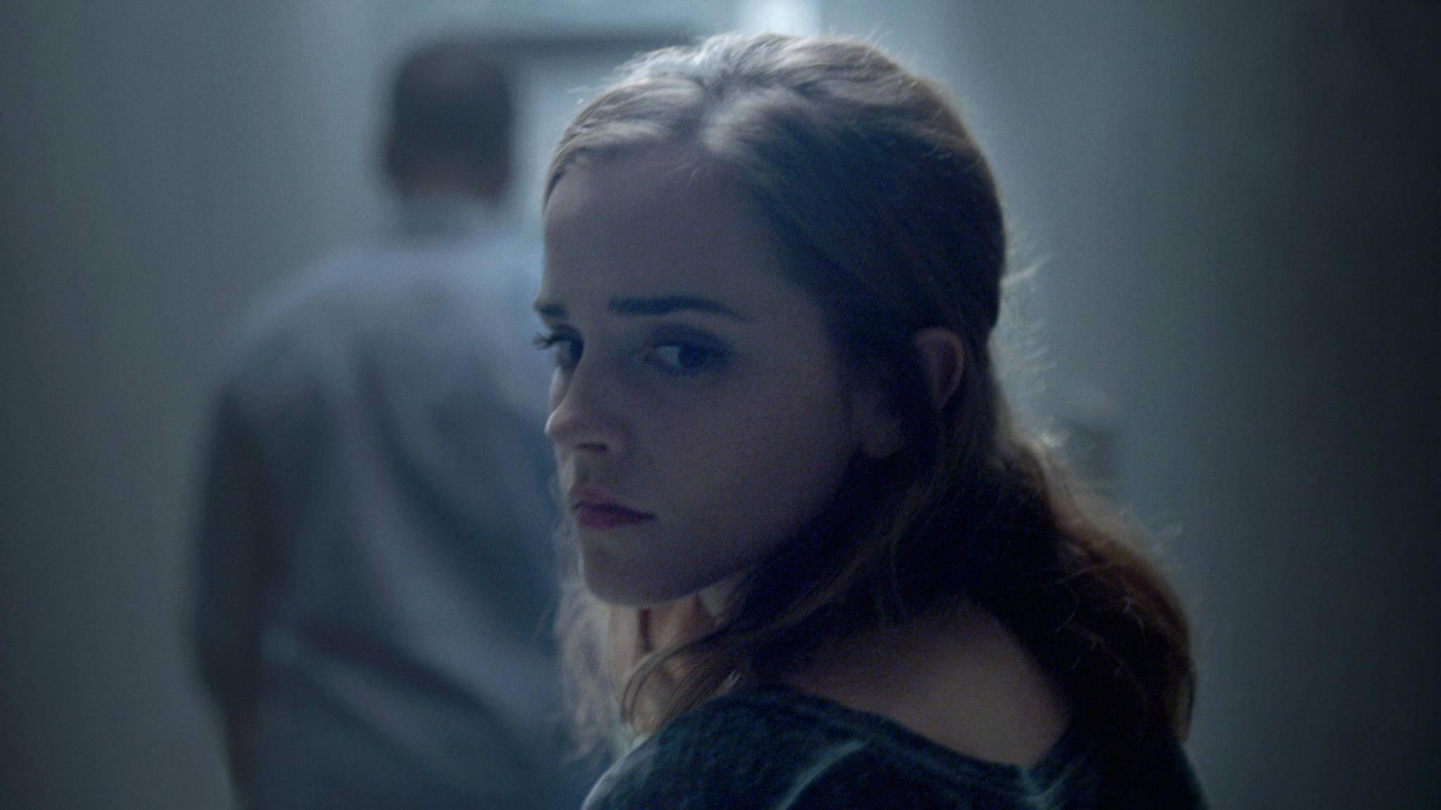 """Zu Beginn ahnt Mae (Emma Watson) nicht, worauf sie sich mit """"The Circle"""" einlässt."""