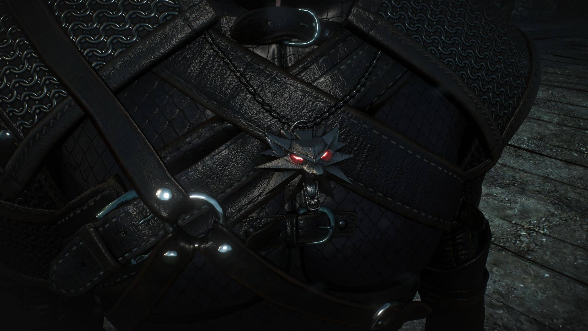 Endlich leuchtet das Wolf-Medaillon mit seinen roten Augen, wie man es in Promo-Materialen schon bestaunen durfte.
