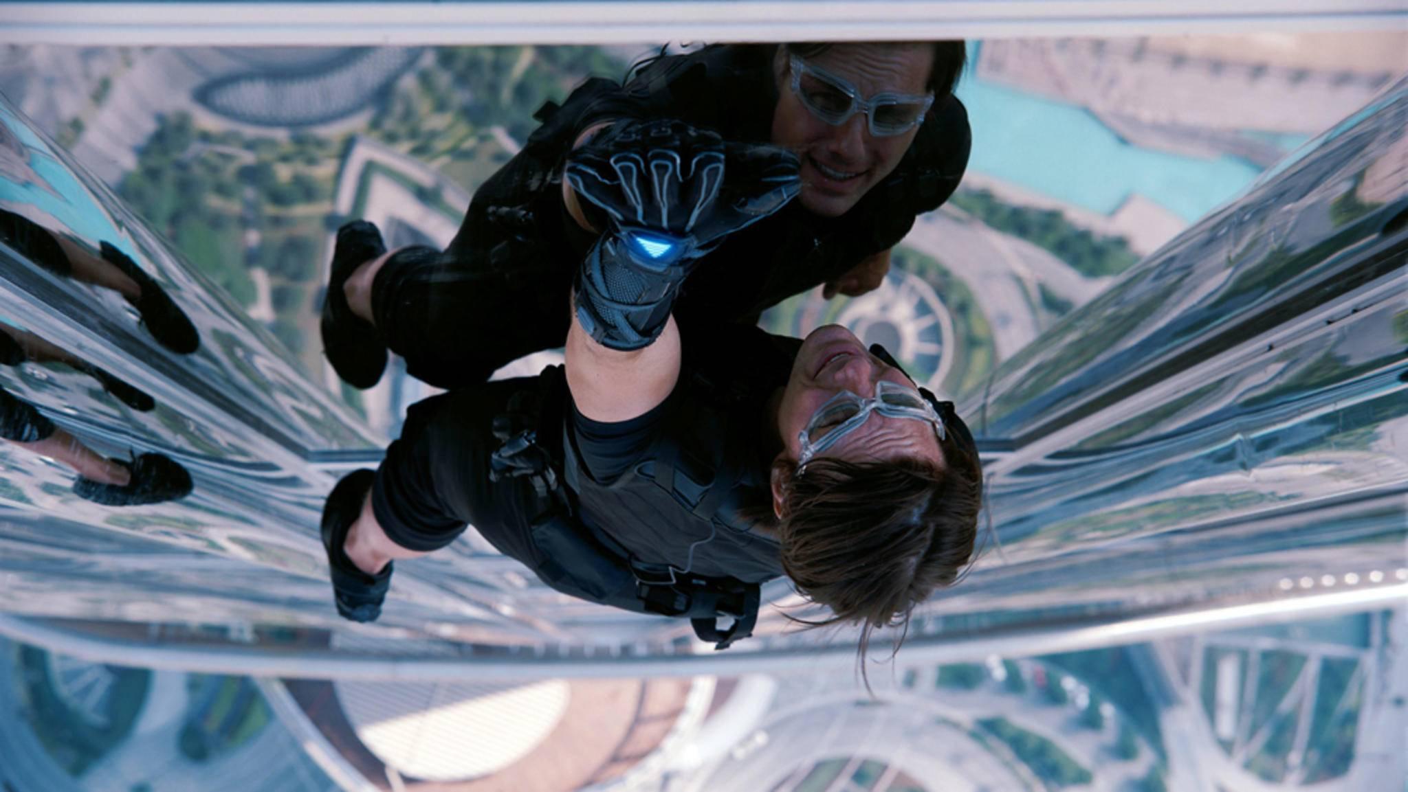 """Schon beim Dreh zu """"Mission: Impossible – Phantom Protokoll"""" ging es für Tom Cruise hoch hinaus. In Teil 6 steigt er den Bösewichten nun erneut aufs Dach."""