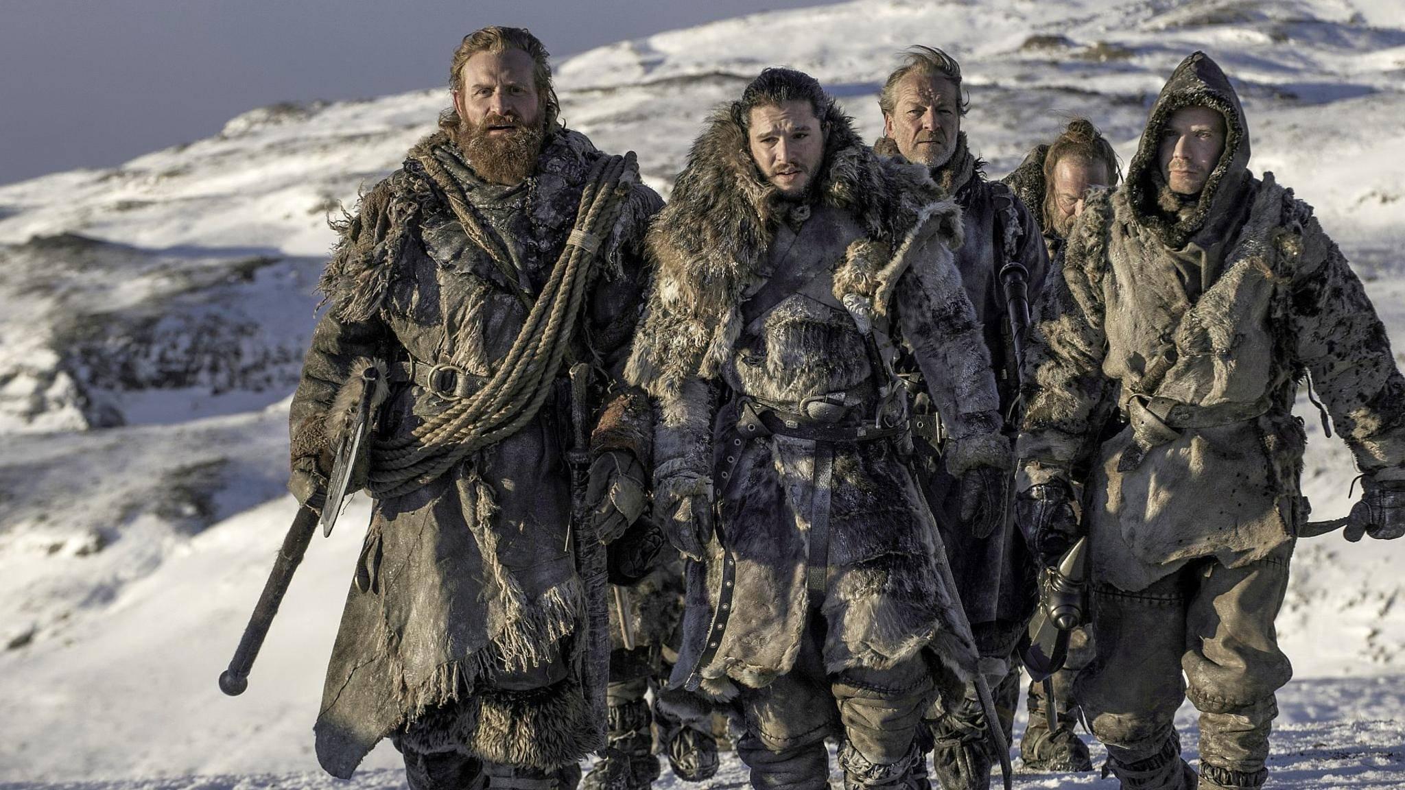 Jon Snow und seine Gefährten schlagen sich durch die Schneewüste von Westeros.
