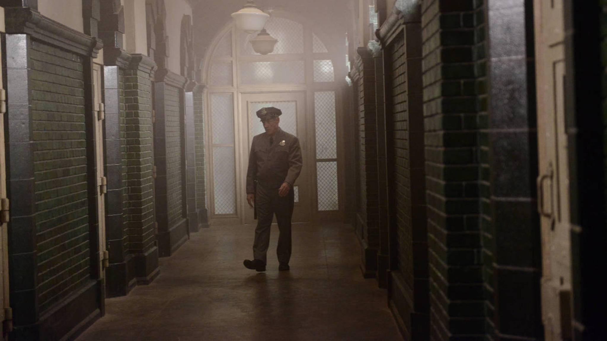 Verlassene Gänge und psychopathische Wärter: Nervenheilanstalten im Film sind nichts für schwache Nerven.