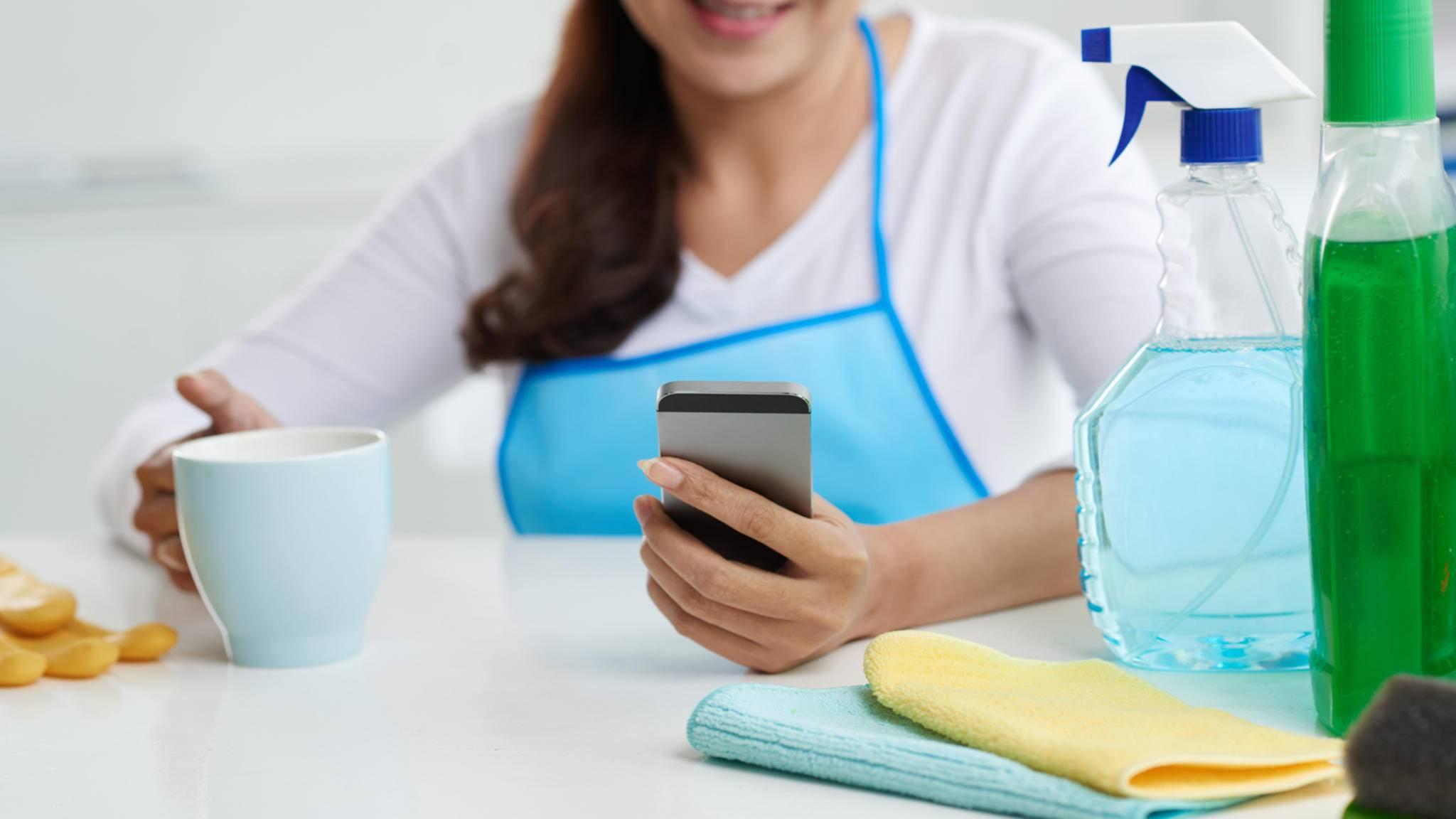 Mit Putz-Apps kannst Du Deinen Haushalt ganz einfach organisieren.