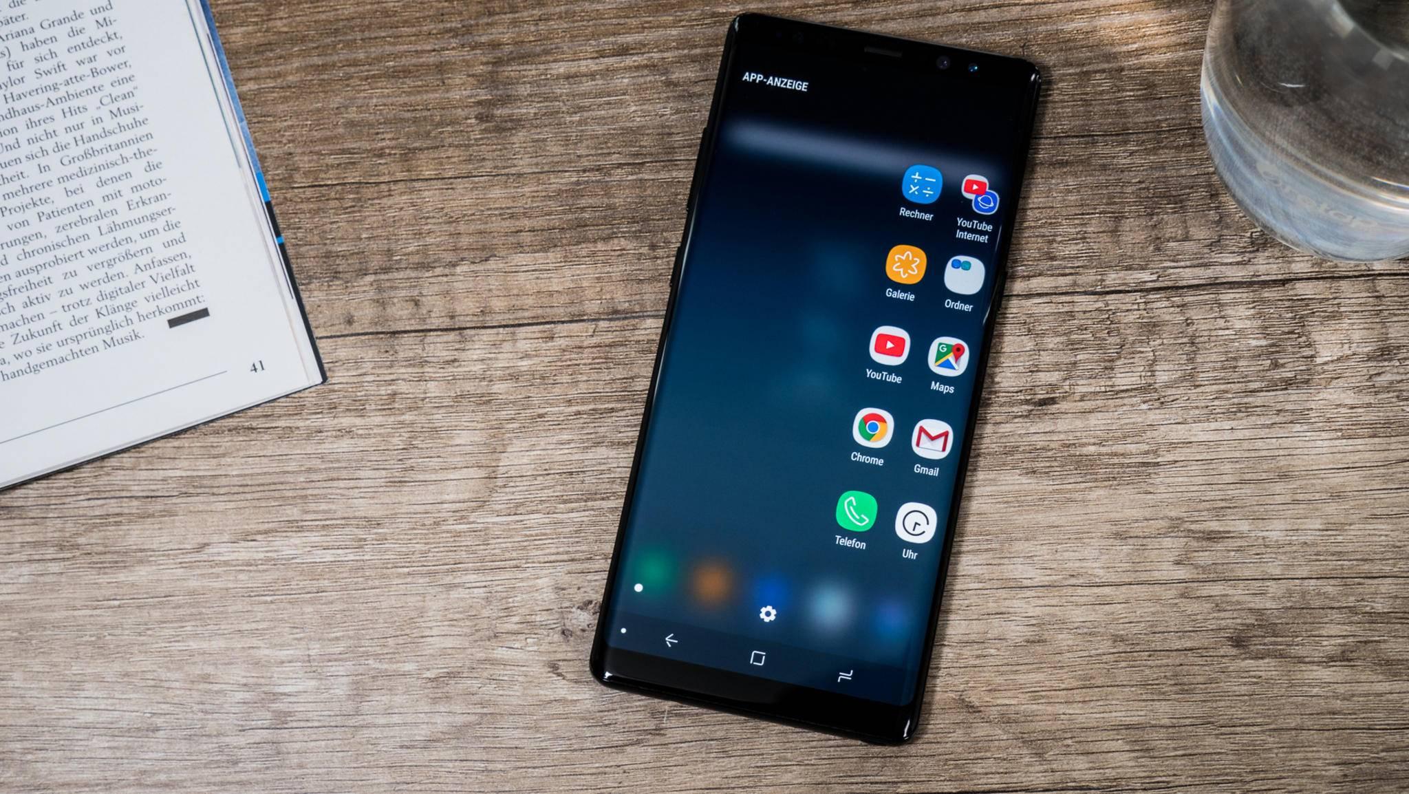 Das Galaxy Note 8 hat einen Extra-Button für Bixby an Bord, das Note 9 soll einen weiteren bekommen.