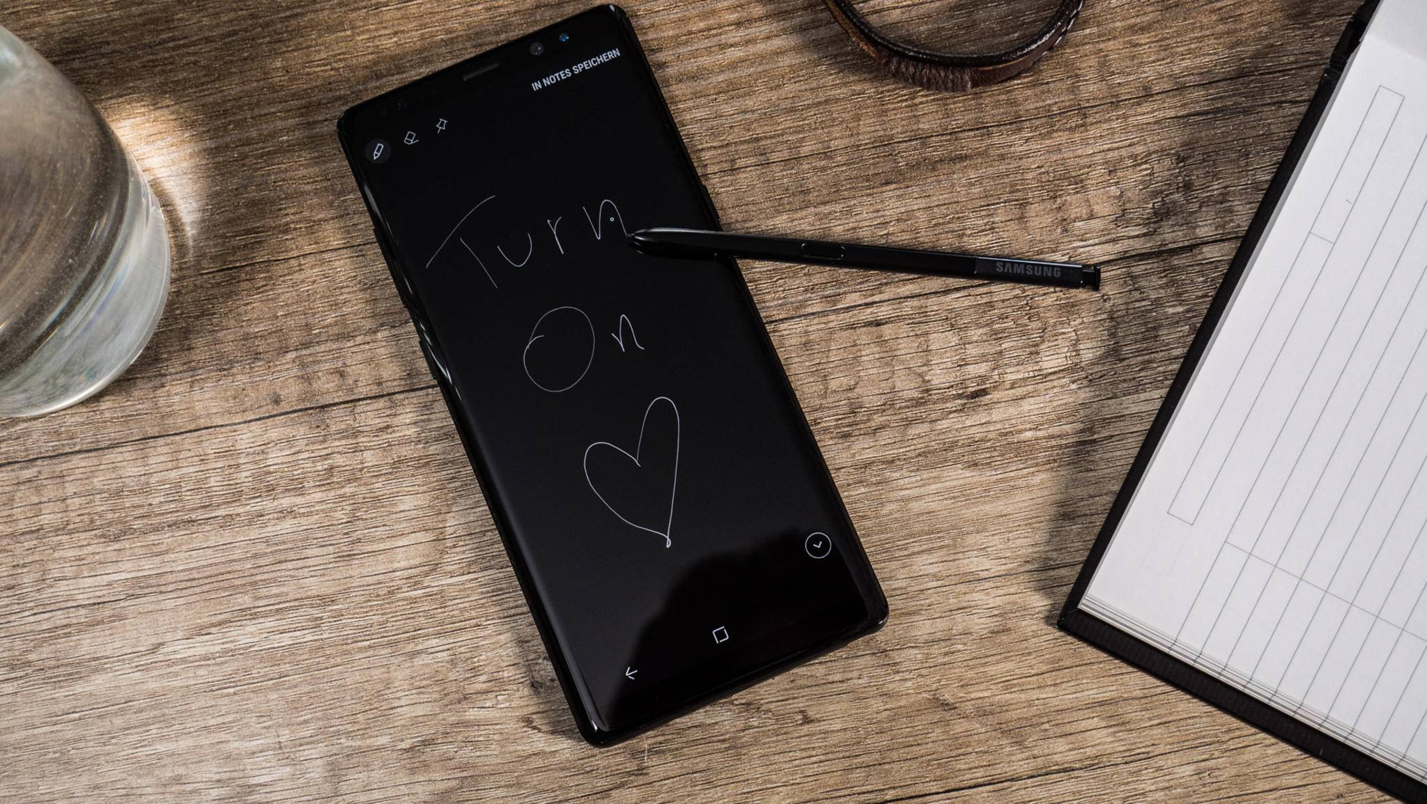 Auf dem Always-on-Display des Galaxy Note 9 lassen sich sogar Notizen schreiben.