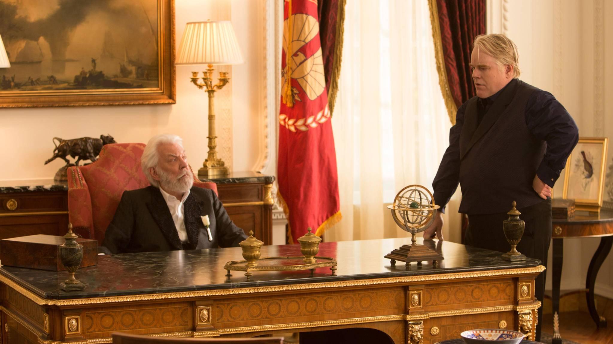 Donald Sutherland (links) bekommt den längst überfälligen Ehrenoscar verliehen.