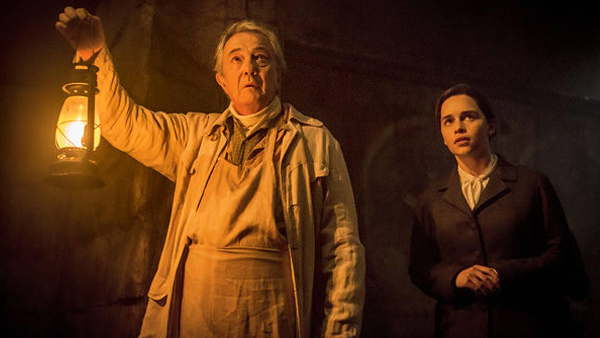 """Ob ihre Rolle in """"Game of Thrones"""" Emilia Clarke wohl für den Horrorfilm """"Voice from the Stone"""" gewappnet hat?"""