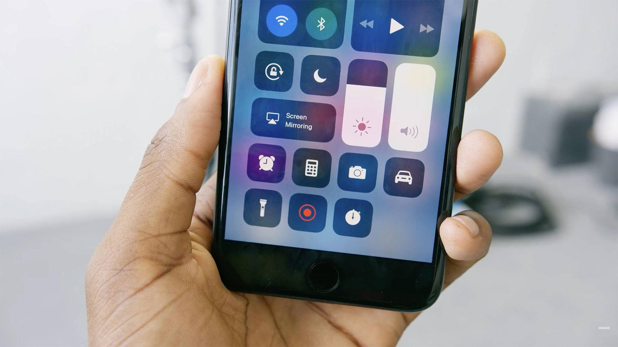 In iOS 11 kannst Du direkt über das Kontrollzentrum eine Bildschirmaufnahme starten.