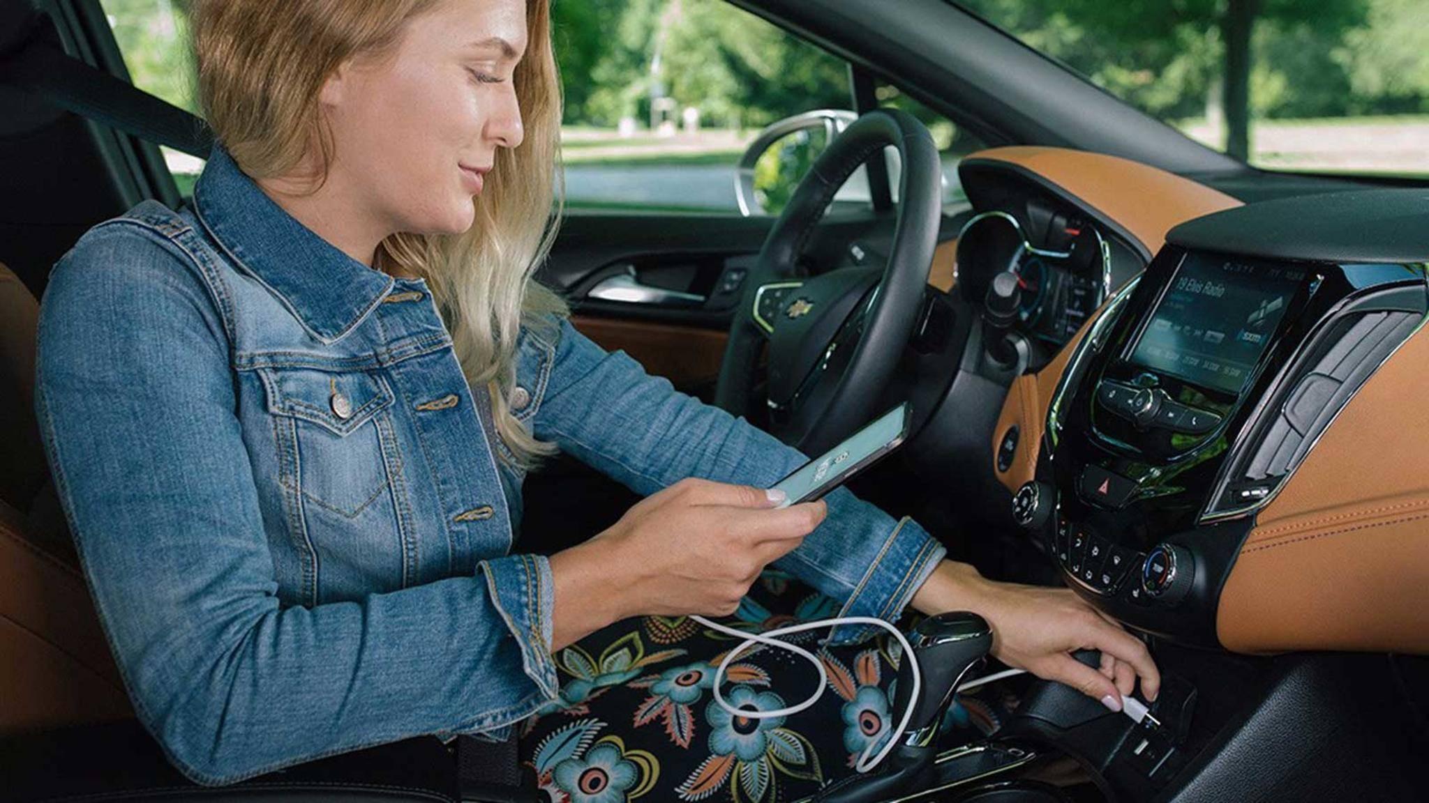 Mit der Navigations-App Waze hat man viele Möglichkeiten, sein Ziel zu finden.