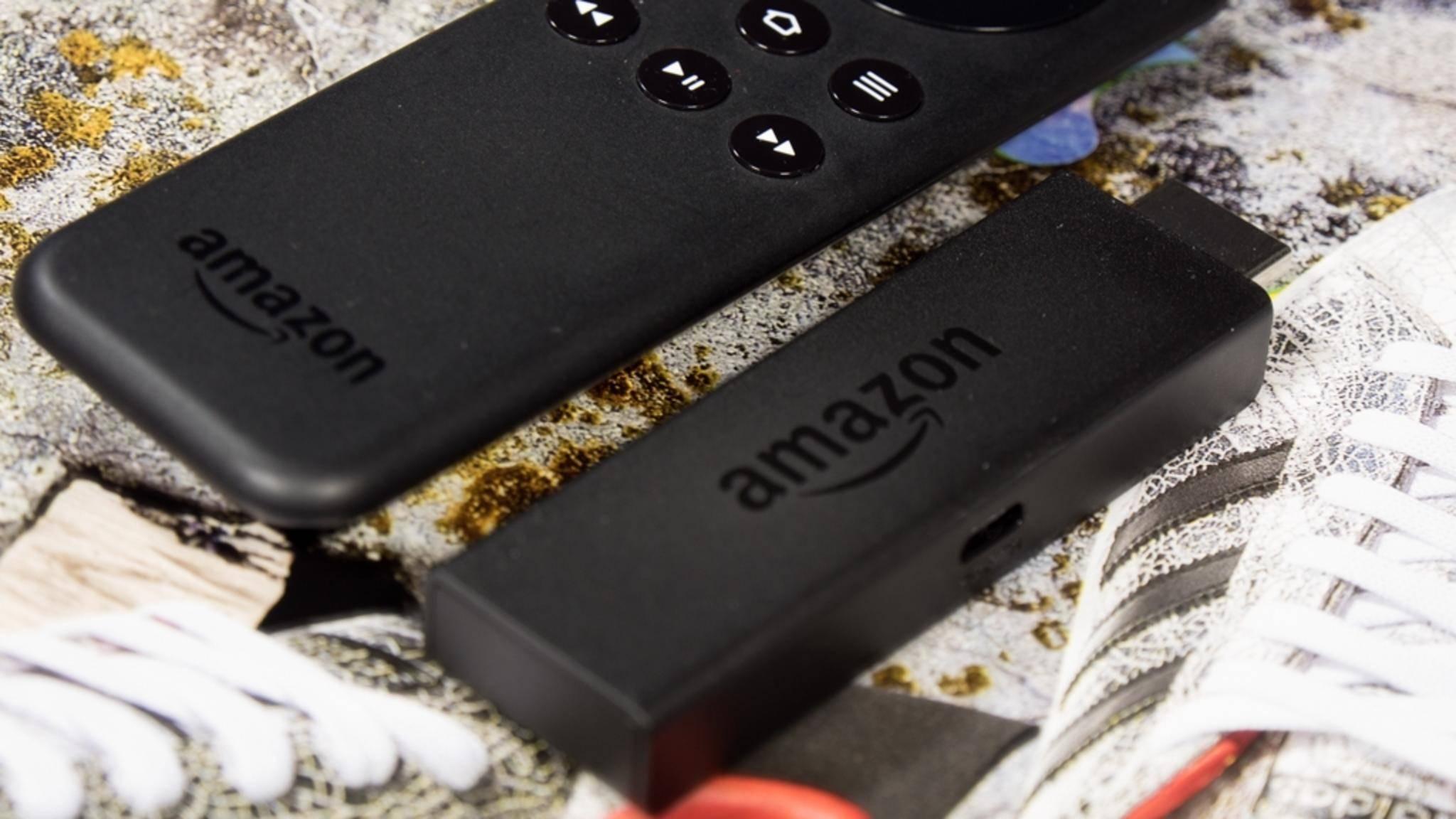 Der Amazon Fire TV Stick besitzt eine eigene Fernbedienung.
