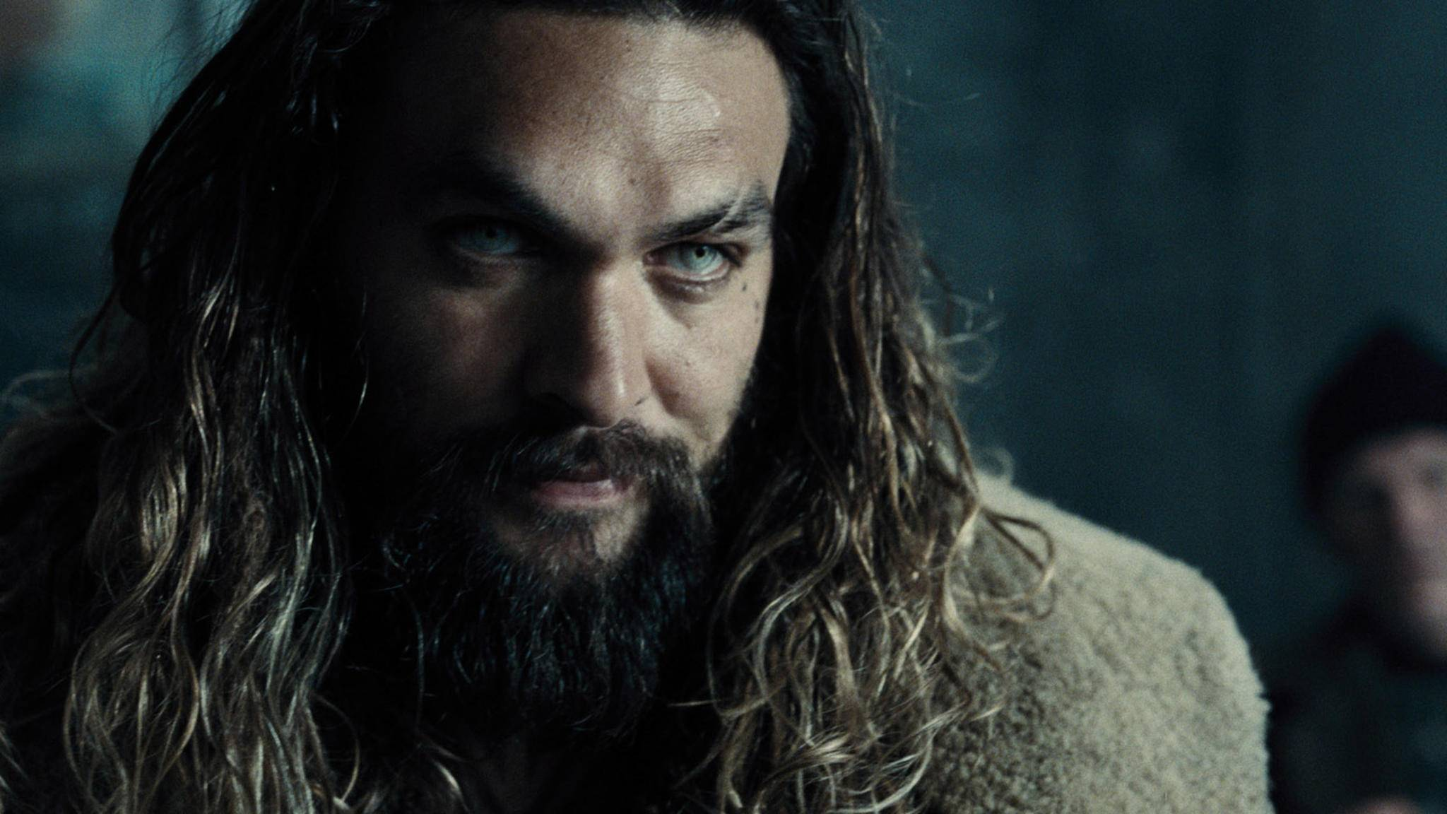 """Ein echter Held wie """"Aquaman"""" Jason Momoa kann auch mal Prügel einstecken."""