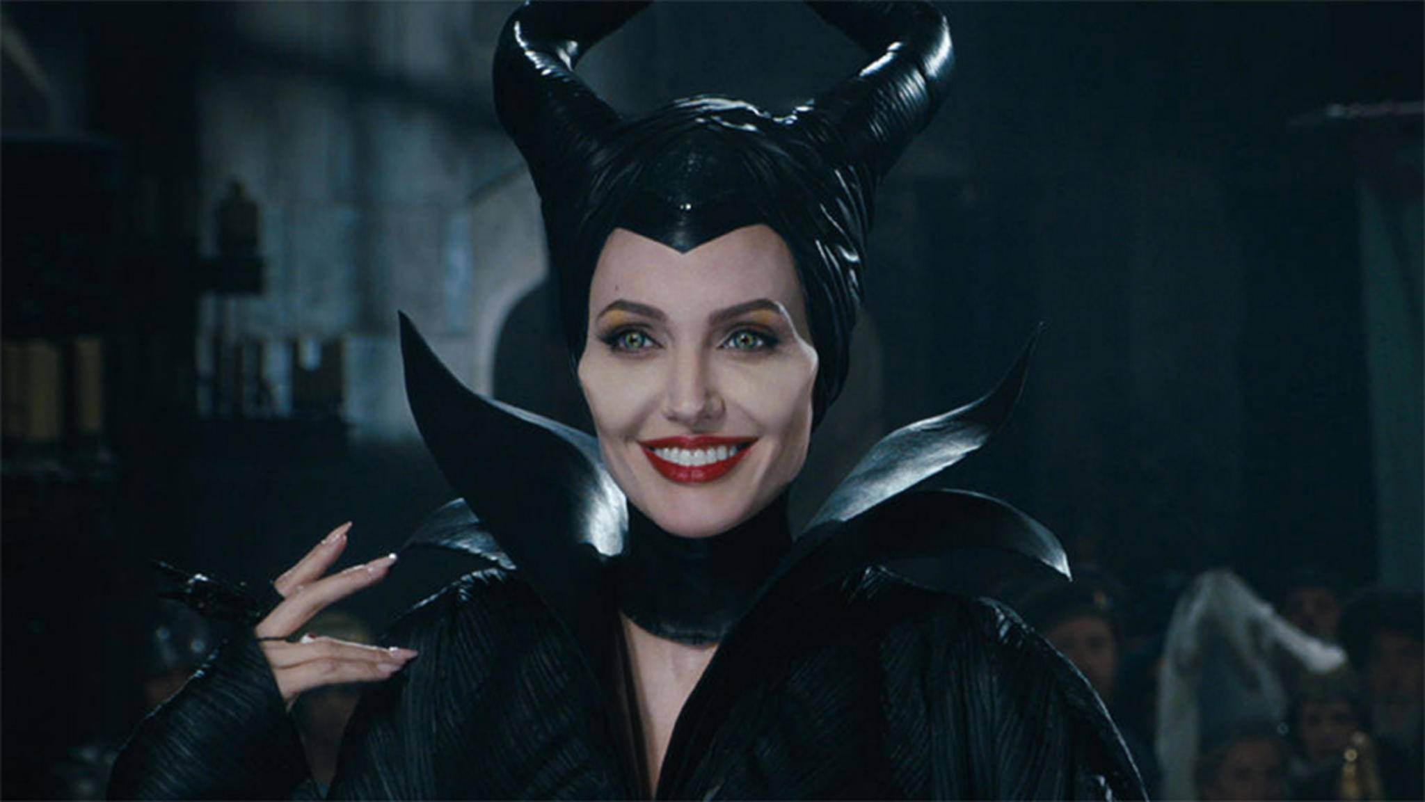 Maleficent (Angelina Jolie) hat Grund zu lachen: Das Sequel nimmt endlich an Fahrt auf.