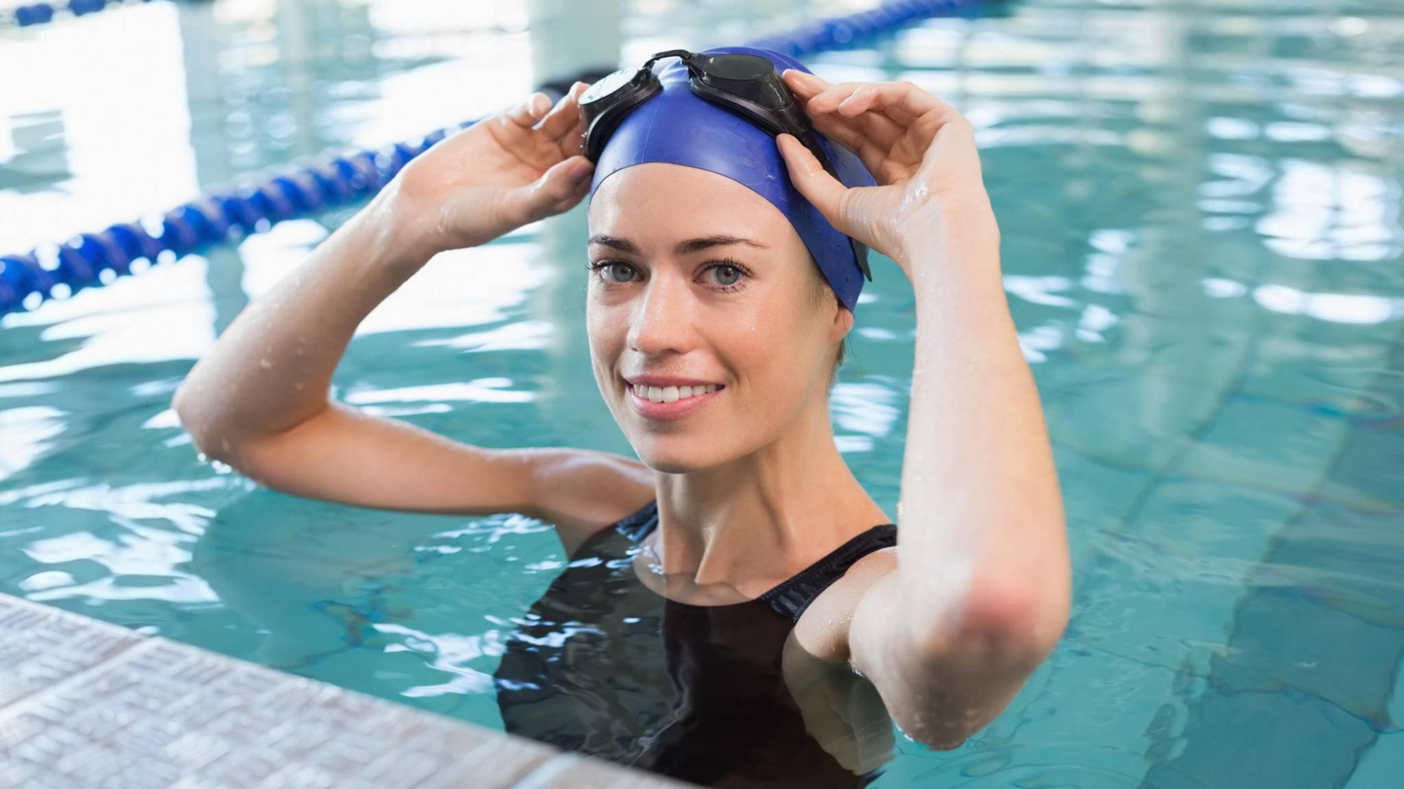 Mit der smarten Schwimmbrille Zwim sollen Sportler ihre Werte in Echtzeit vor Augen haben.