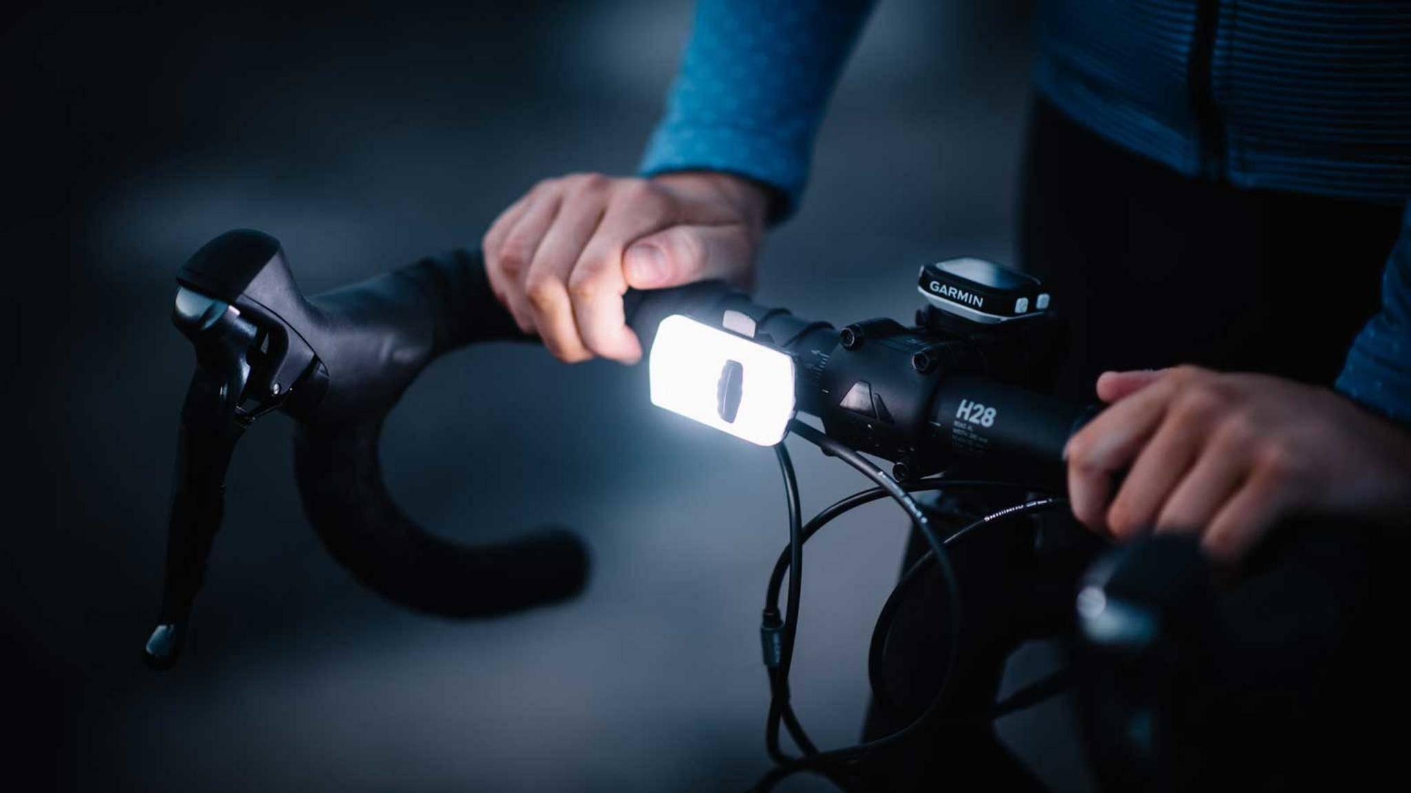 Das intelligente Fahrrad-Licht SeeSense ACE wird derzeit bei Kickstarter finanziert.