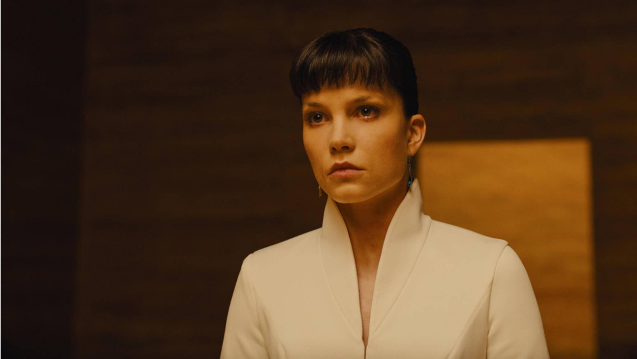 "Sorgt ""Blade Runner 2049""-Star Sylvia Hoeks bald in ""Verschwörung"" für Ärger?"
