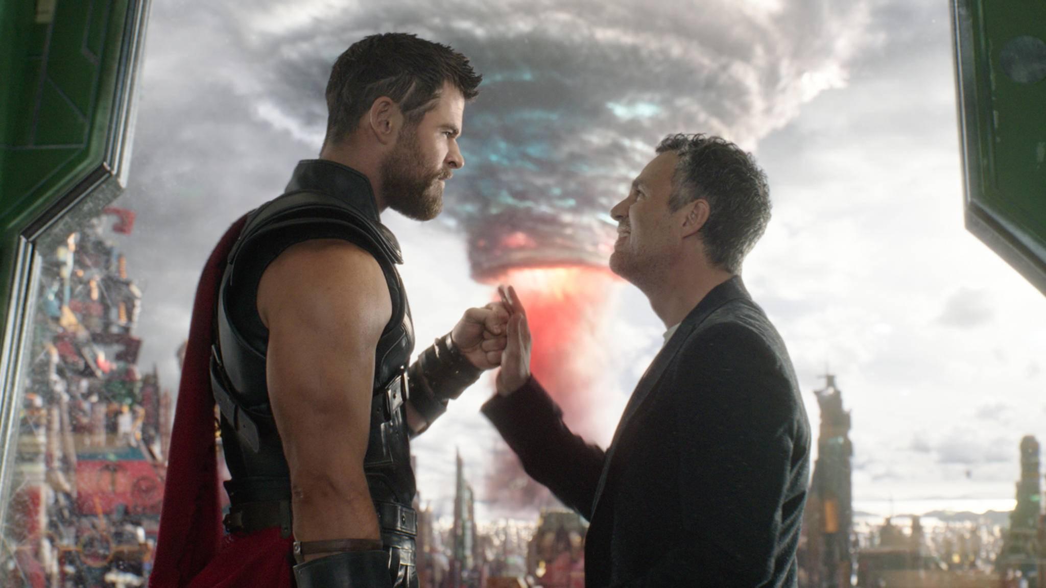 """""""Thor 3"""" schlägt ein: Das Marvel-Sequel visiert die 800-Millionen-Marke an."""