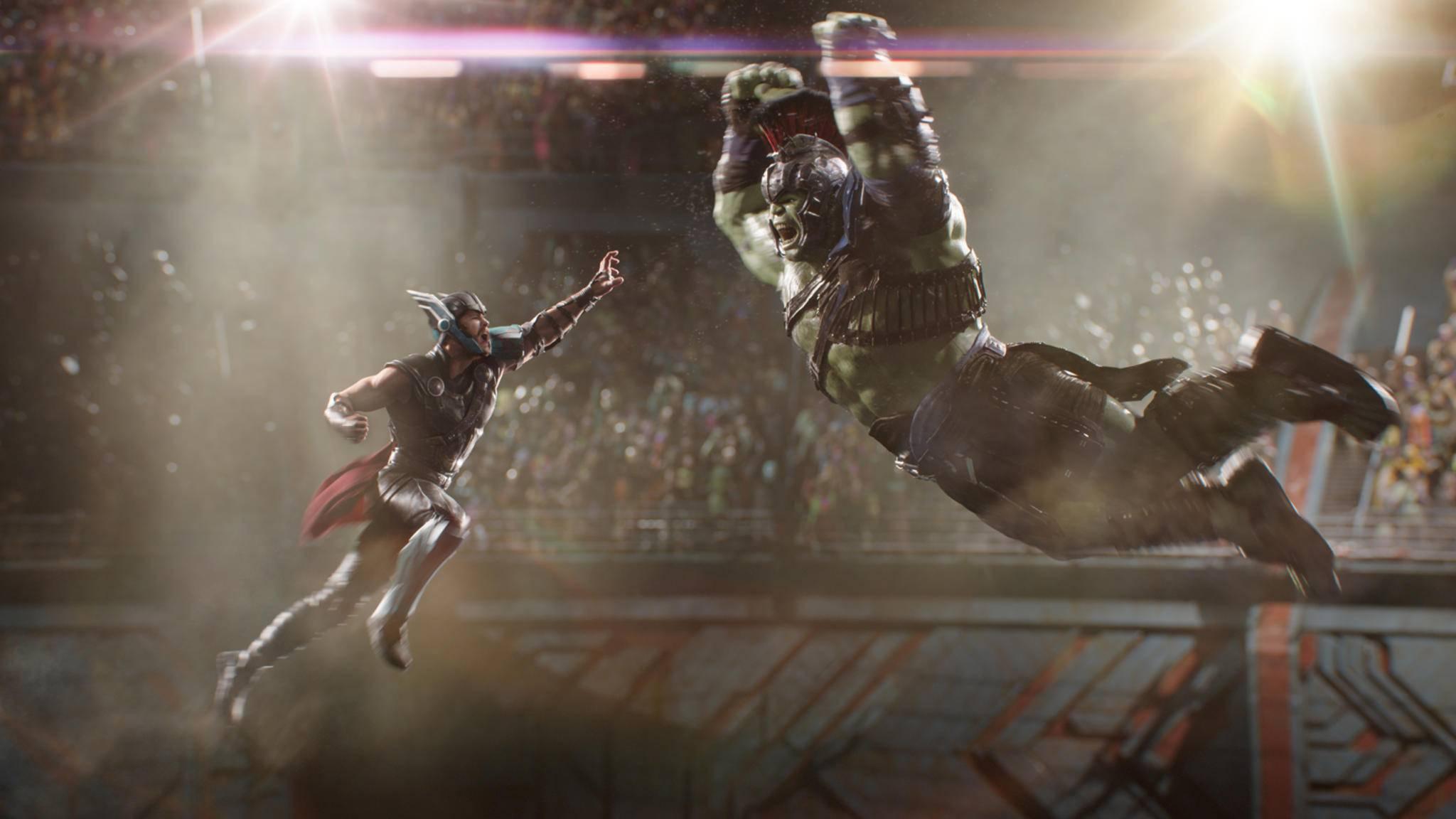 """Ready to rumble? Thor und Hulk stürzen sich pünktlich zu """"Helaween"""" in den Kampf."""
