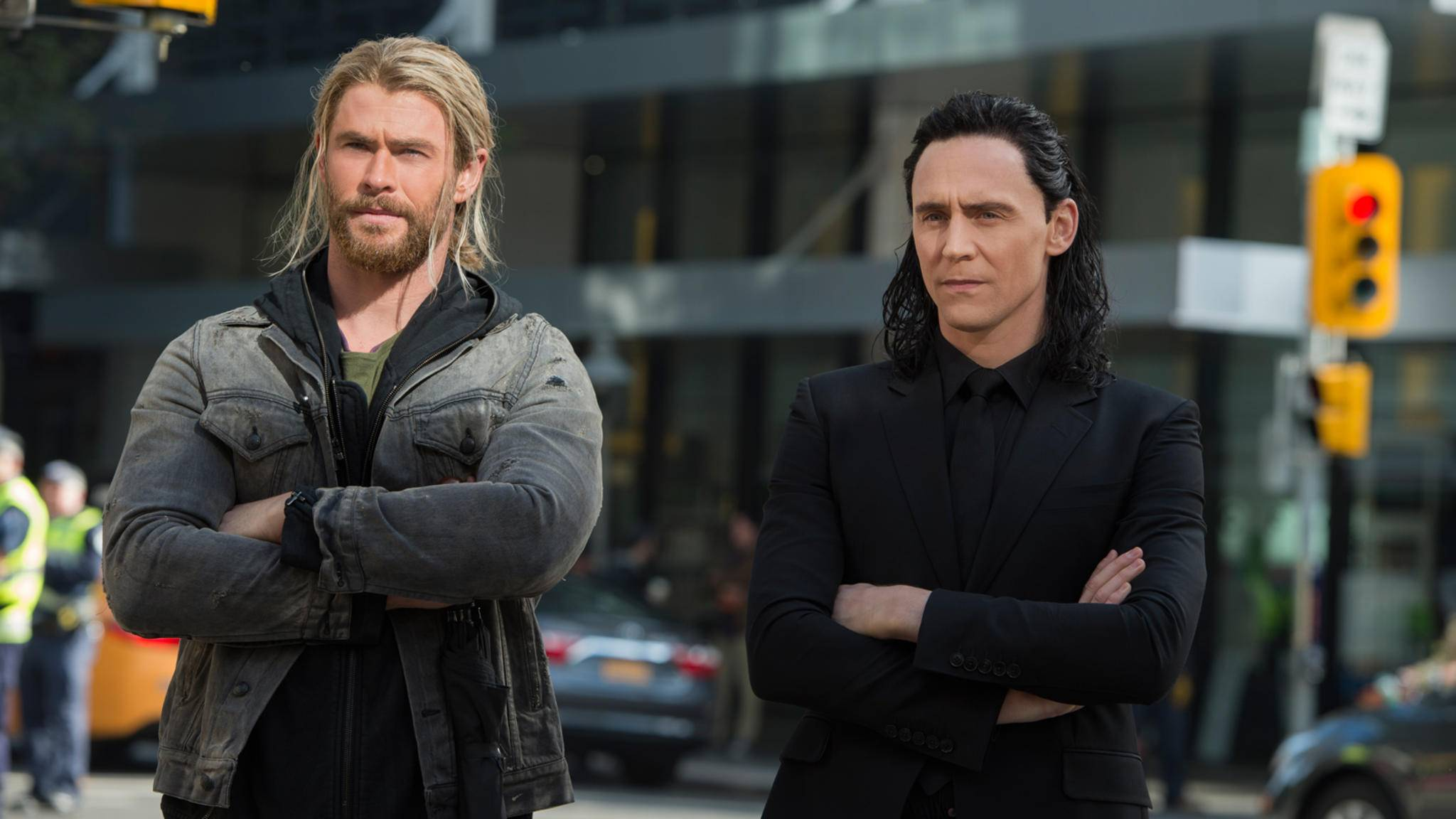 """Nicht so skeptisch die Herren! Ist ja nicht so, als würde der Neuzugang das erste Mal in einem """"Thor""""-Film mitspielen ..."""
