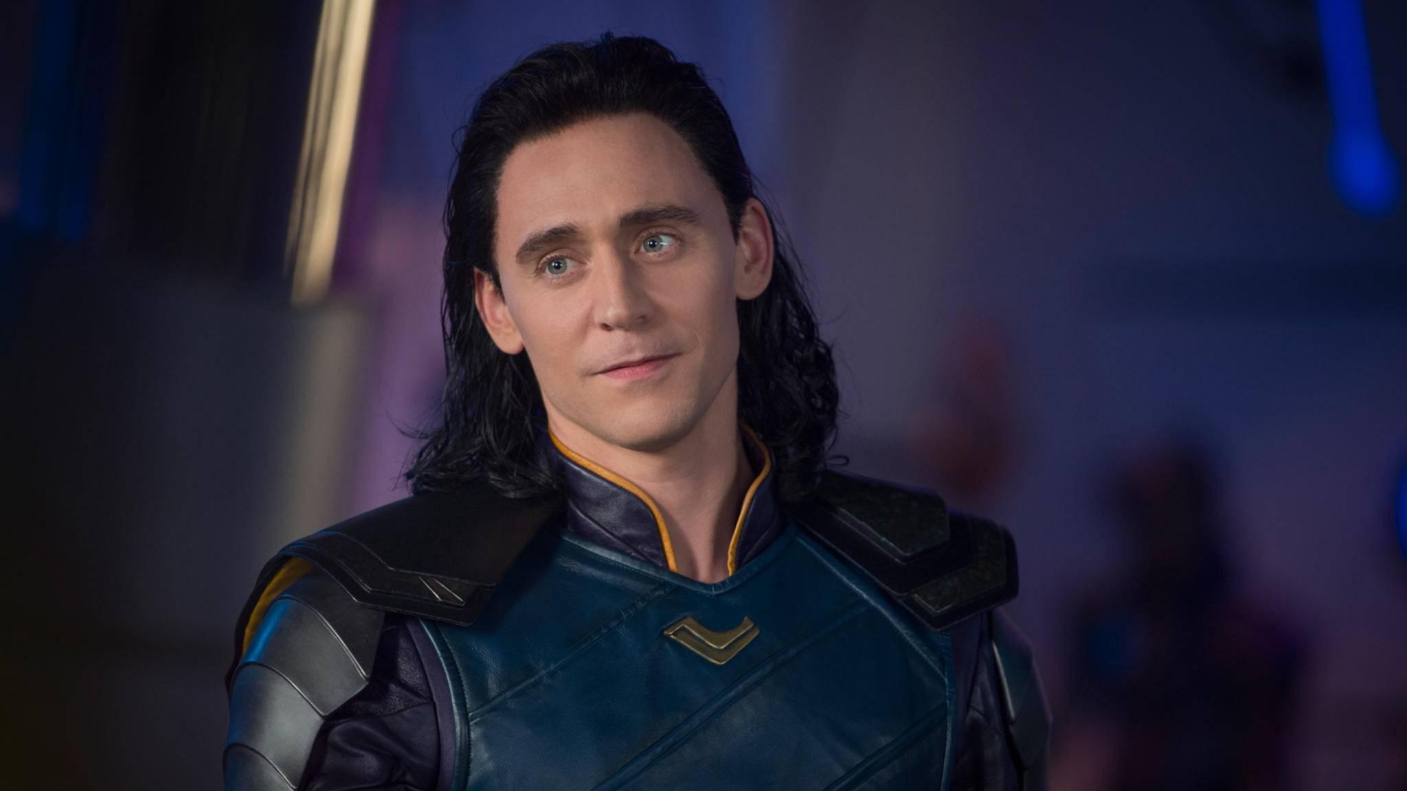 """Trotz der Ereignisse aus """"Avengers: Infinity War"""" könnte es schon bald ein Wiedersehen mit Loki geben – auf Disneys Streamingportal!"""
