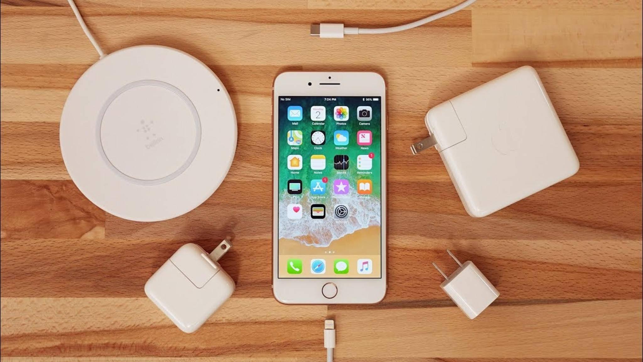 Das iPhone 8 wird ab iOS 11.2 schnelleres Wireless Charging unterstützen.