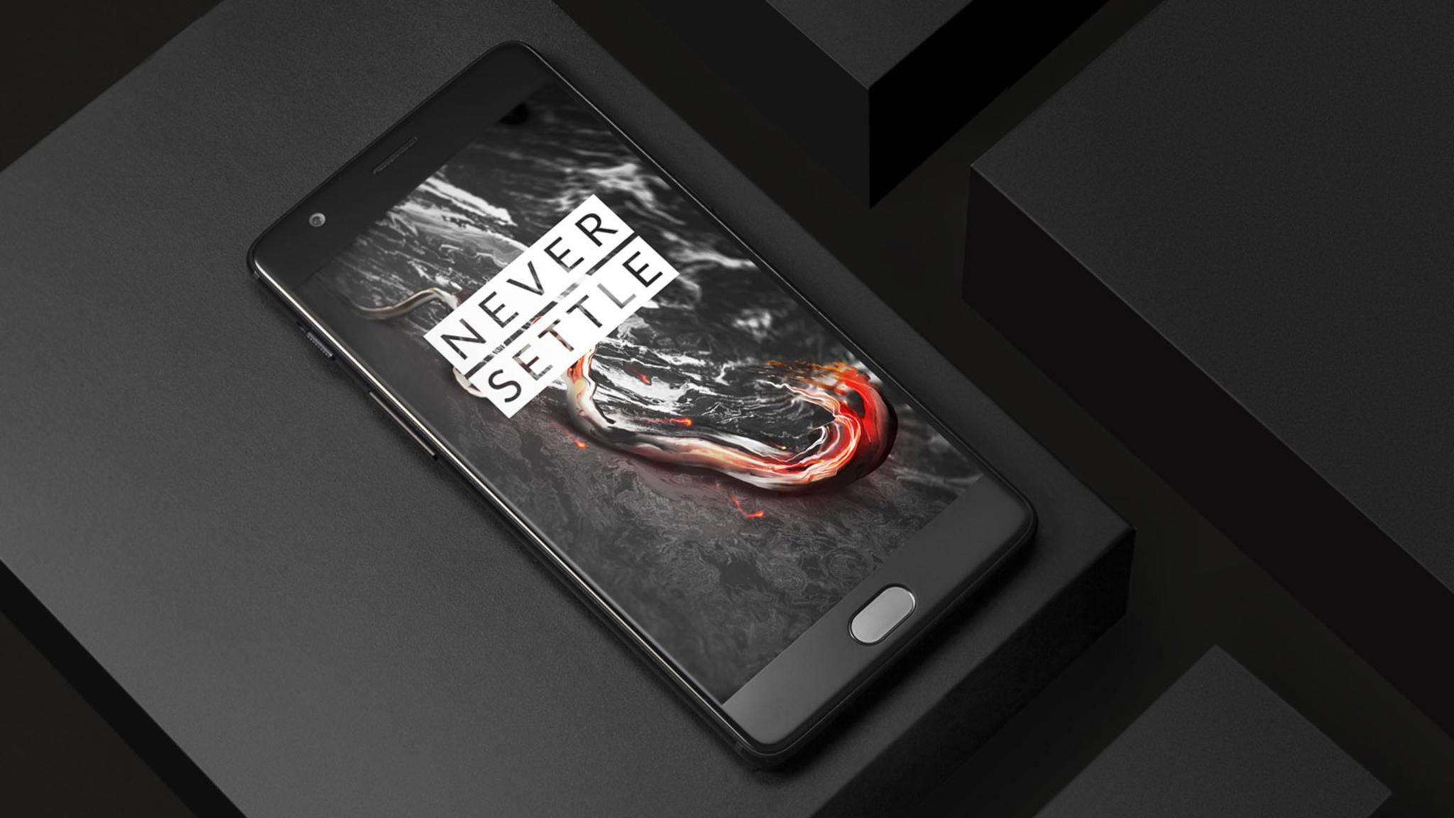 Sollen heimlich Nutzerdaten sammeln: Smartphones des chinesischen Herstellers OnePlus.