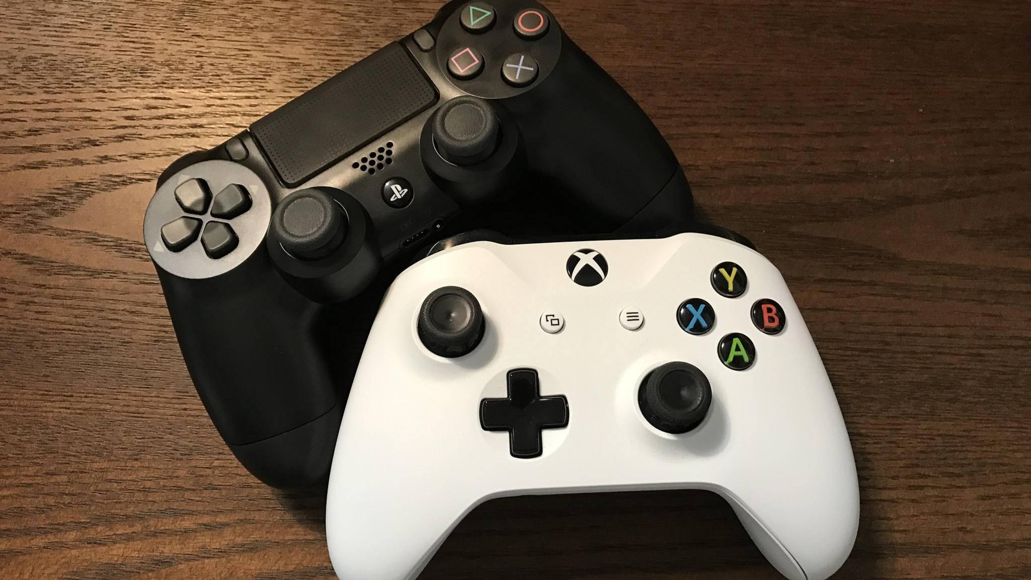 Ungewohnte Eintracht zwischen Sony und Microsoft (Symbolbild).
