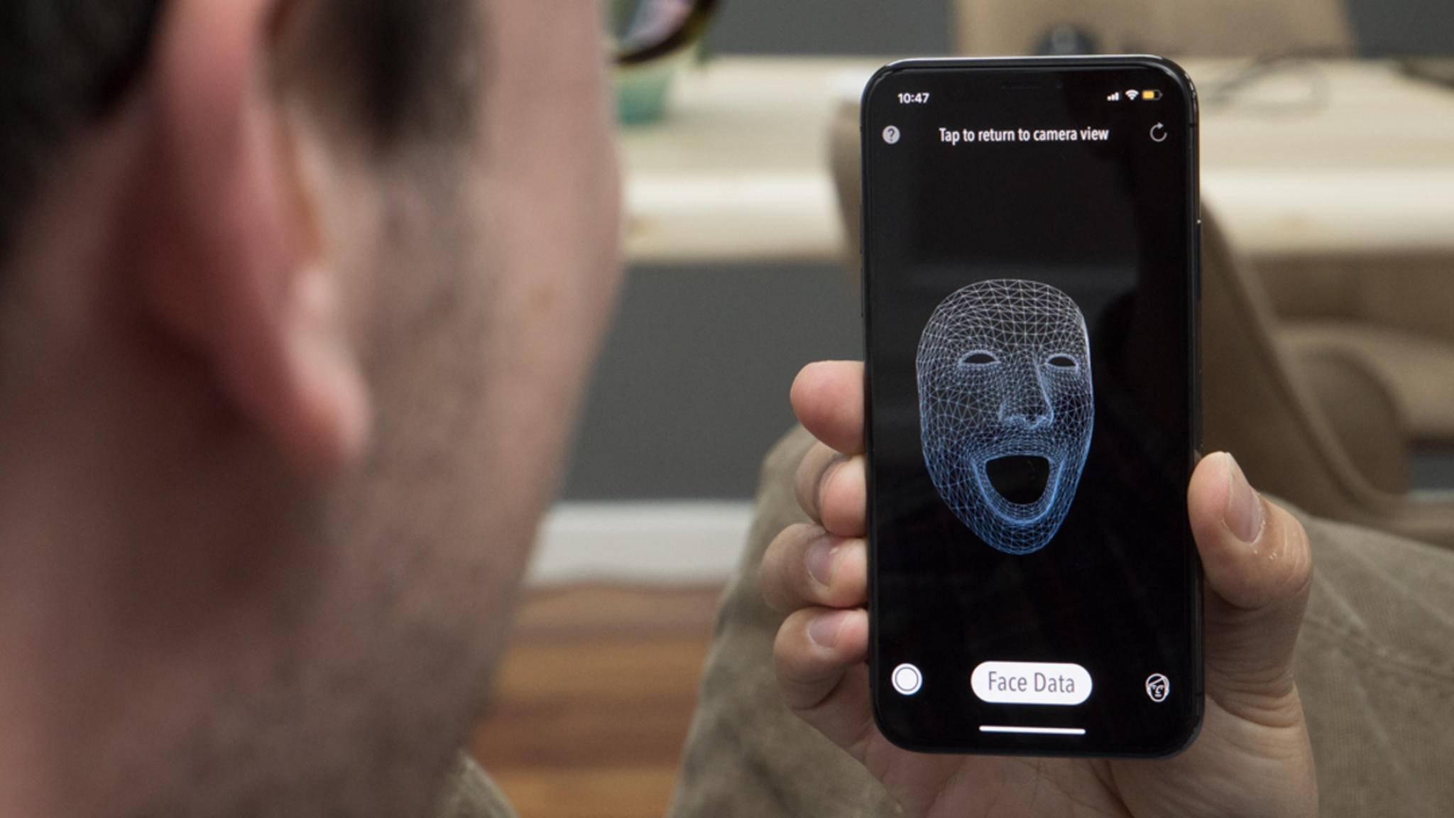 Zwischen Gesicht und iPhone sollte ein Abstand zwischen 25 und 50 Zentimetern eingehalten werden.