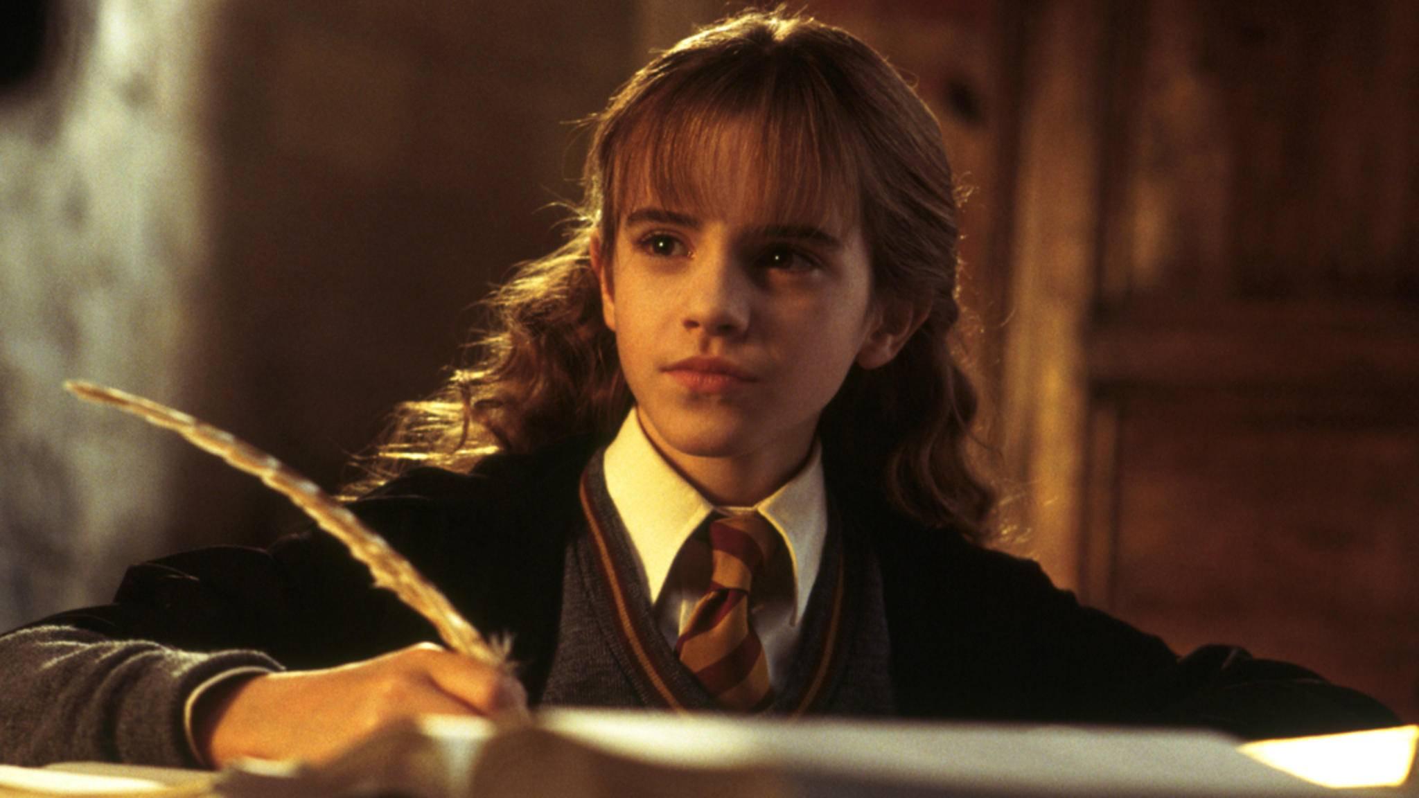 """Nicht nur als Hermine in den """"Harry Potter""""-Filmen zählt Emma Watson zu den Bücherwürmern – ihren Bachelor machte sie in Englischer Literatur."""