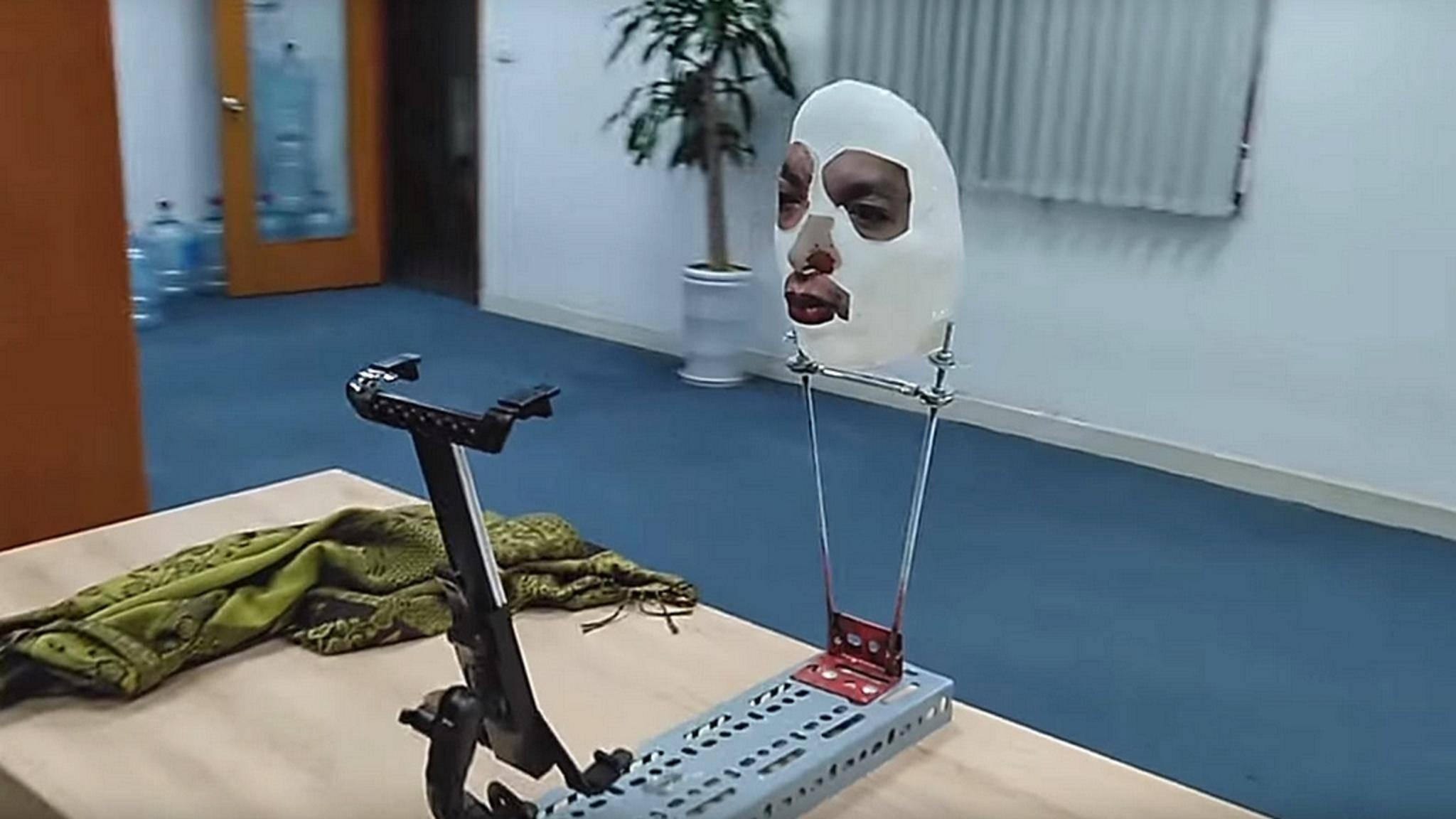 Mit so einer Maske lässt sich Face ID täuschen.